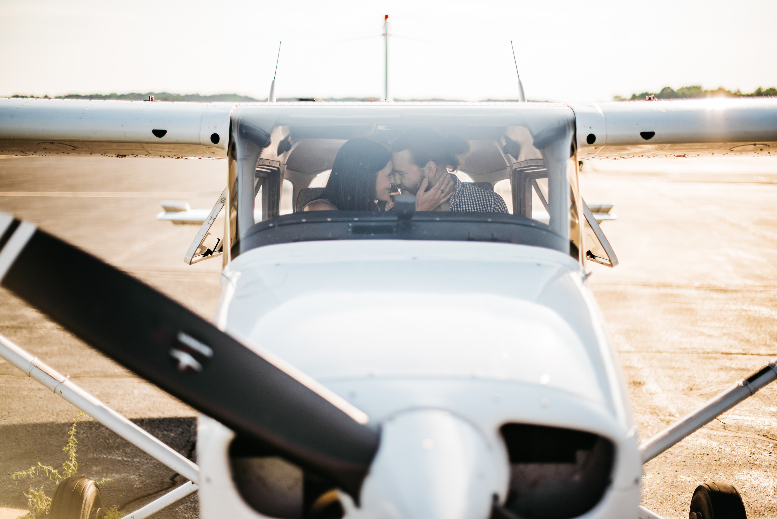 Pittsburgh_airplane_engagement_session014.jpg