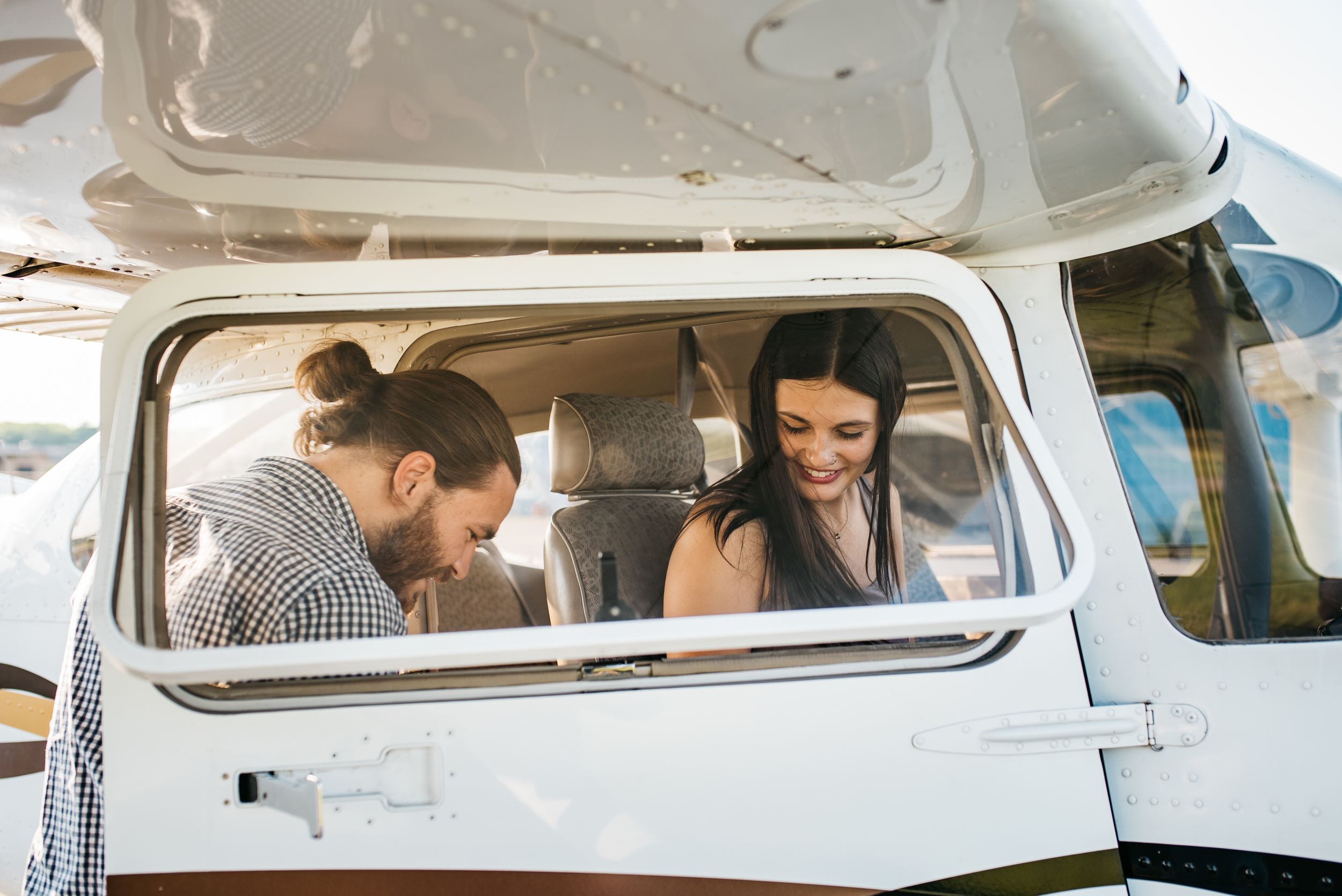 Pittsburgh_airplane_engagement_session044.jpg