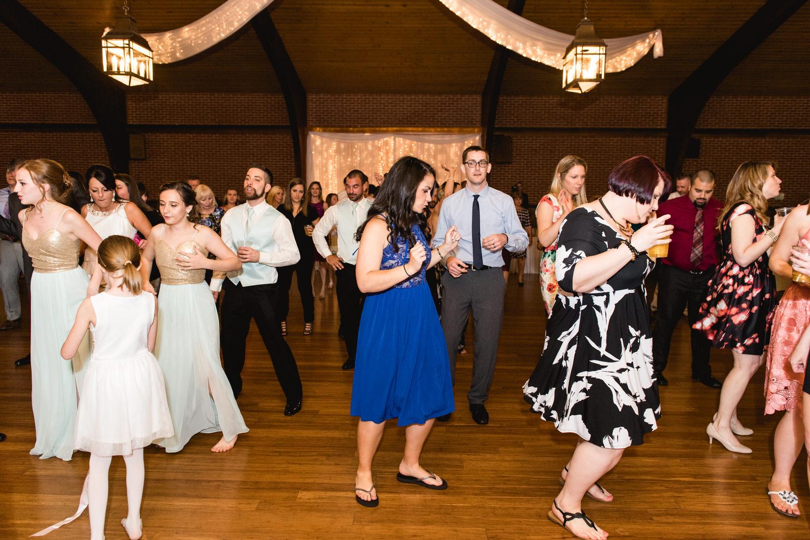 Laube_Banquet_Hall__Wedding_Photos_083.jpg