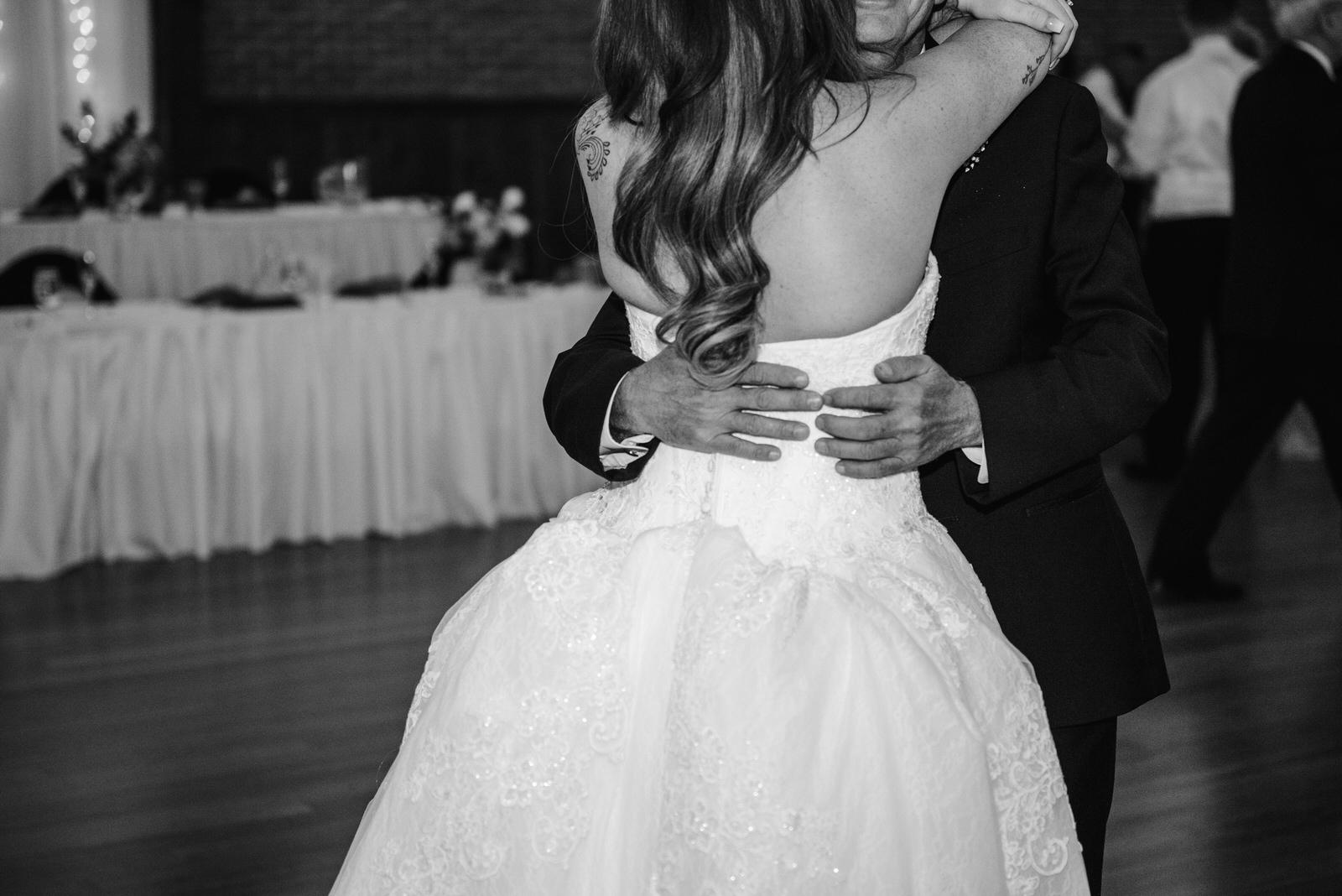 Laube_Banquet_Hall__Wedding_Photos_078.jpg