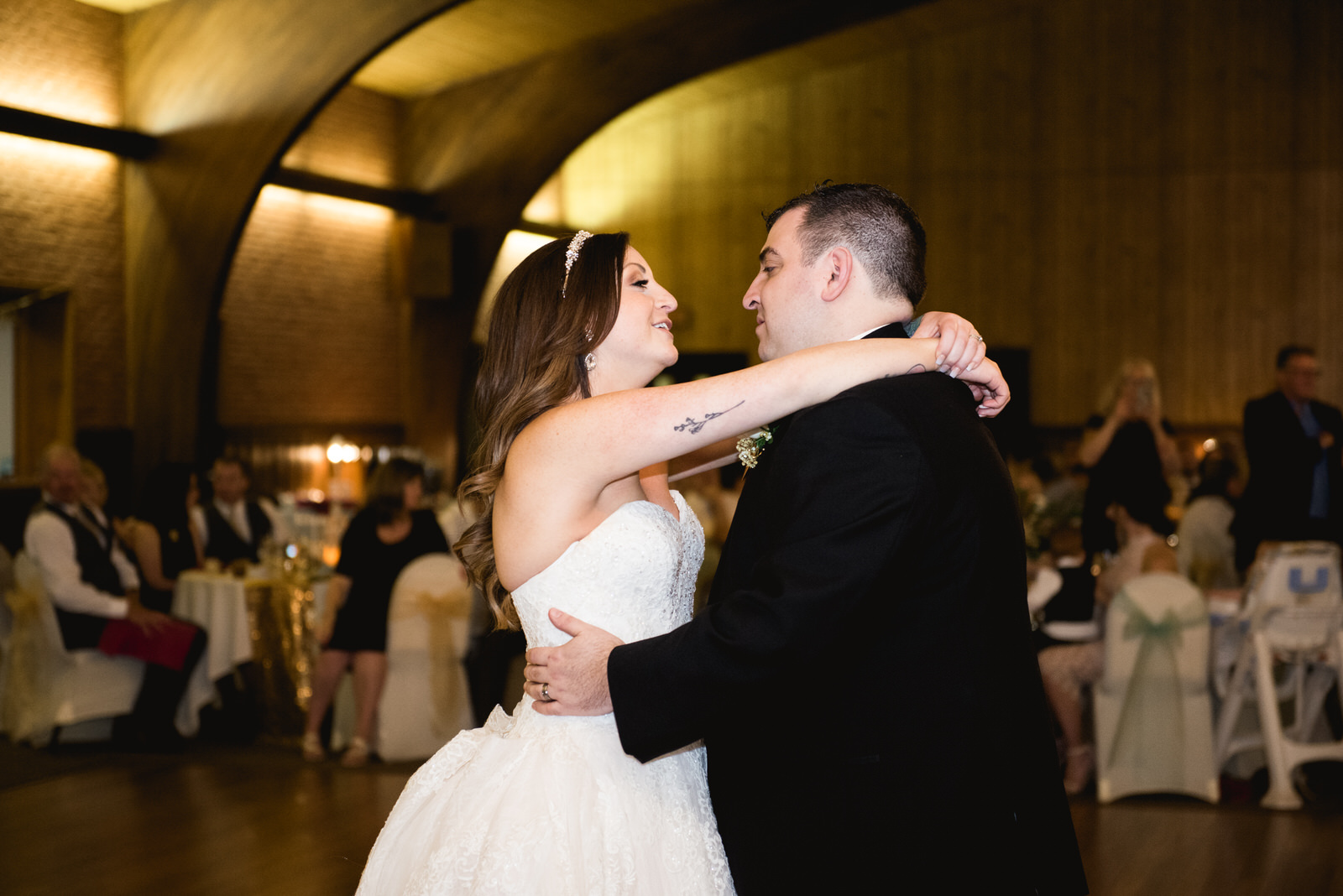 Laube_Banquet_Hall__Wedding_Photos_075.jpg