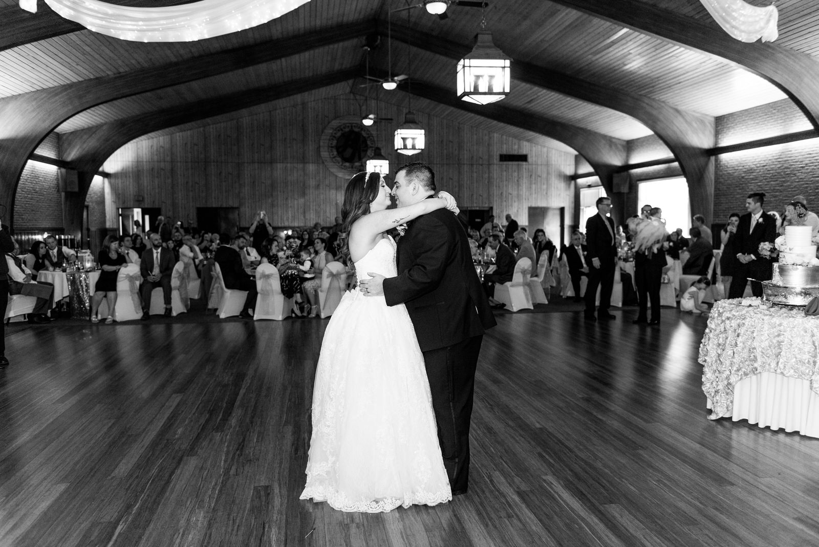 Laube_Banquet_Hall__Wedding_Photos_073.jpg