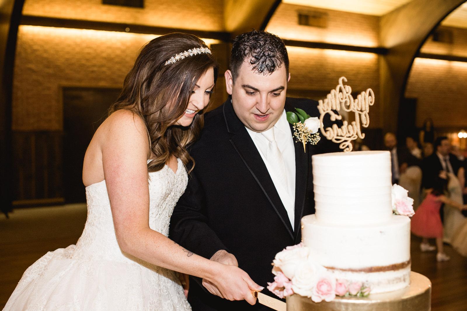 Laube_Banquet_Hall__Wedding_Photos_020.jpg