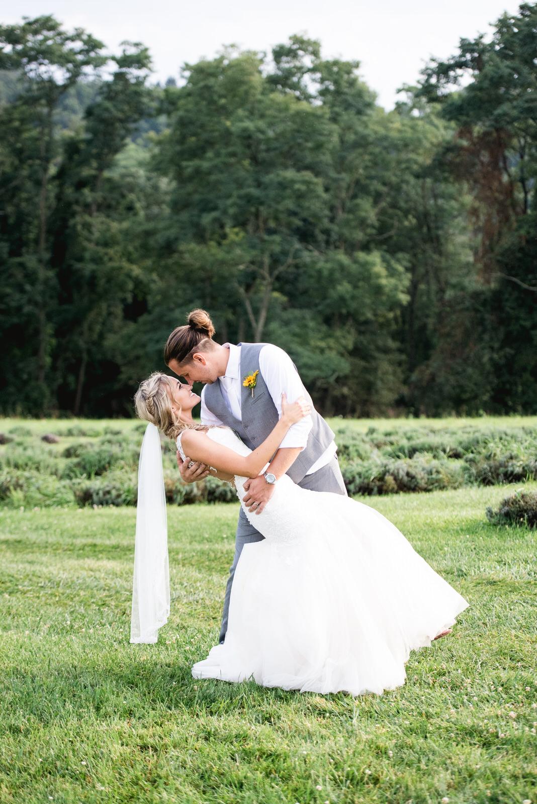 destiny-hill-farm-wedding-photos-pittsburgh-wedding-photographers-56.jpg