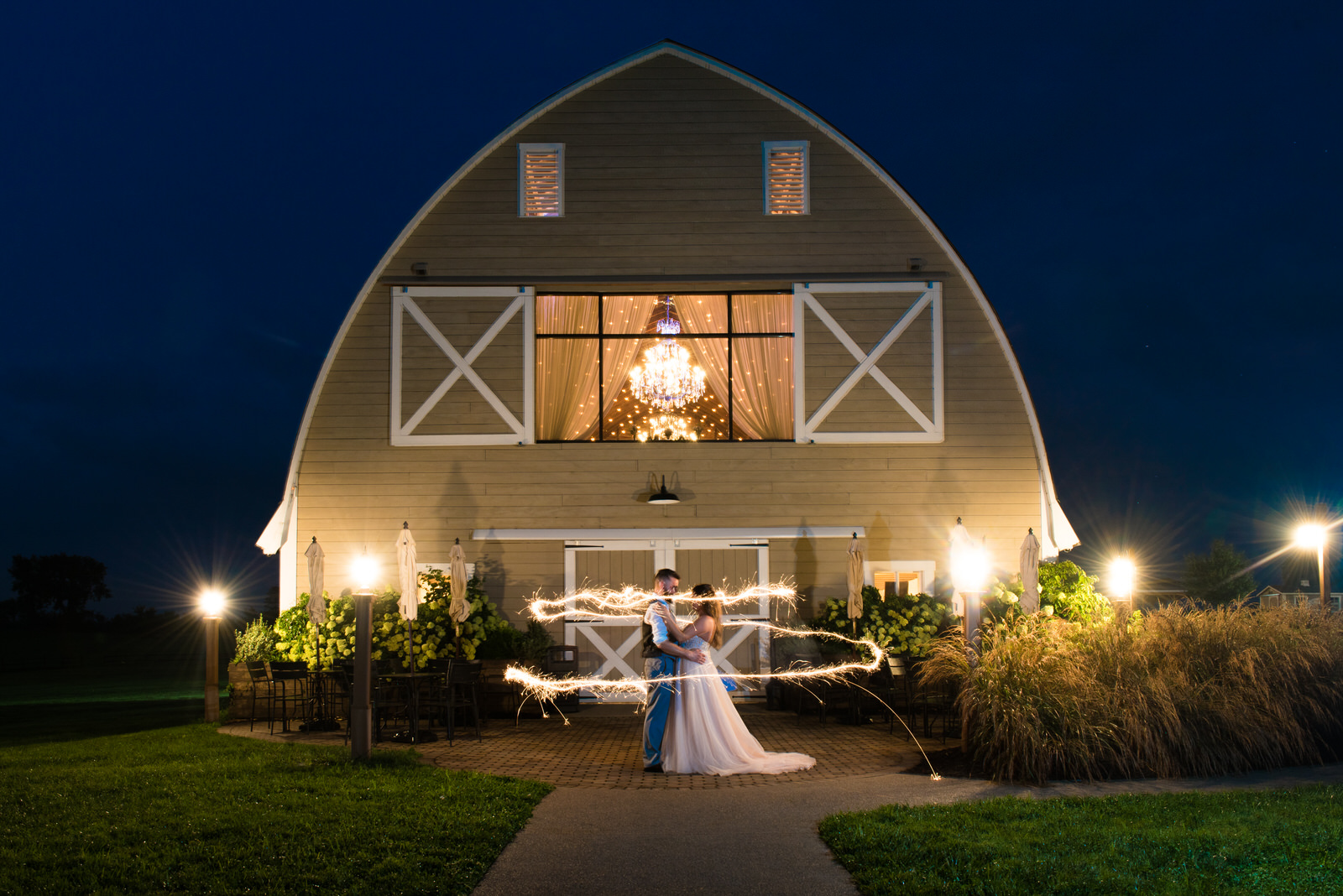 Shakespeare-restaurant-and-pub-pa-wedding-6.jpg
