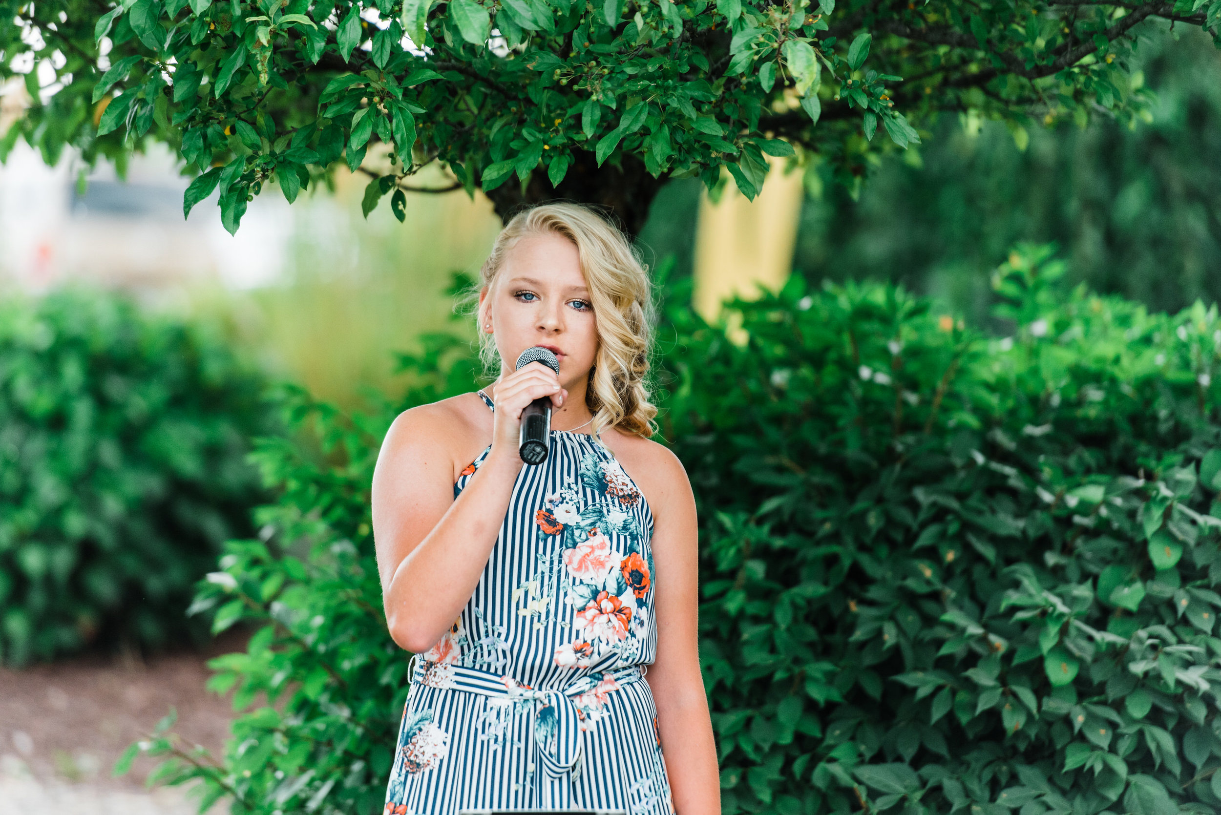 singer at  Armstrong Farms Wedding Venue