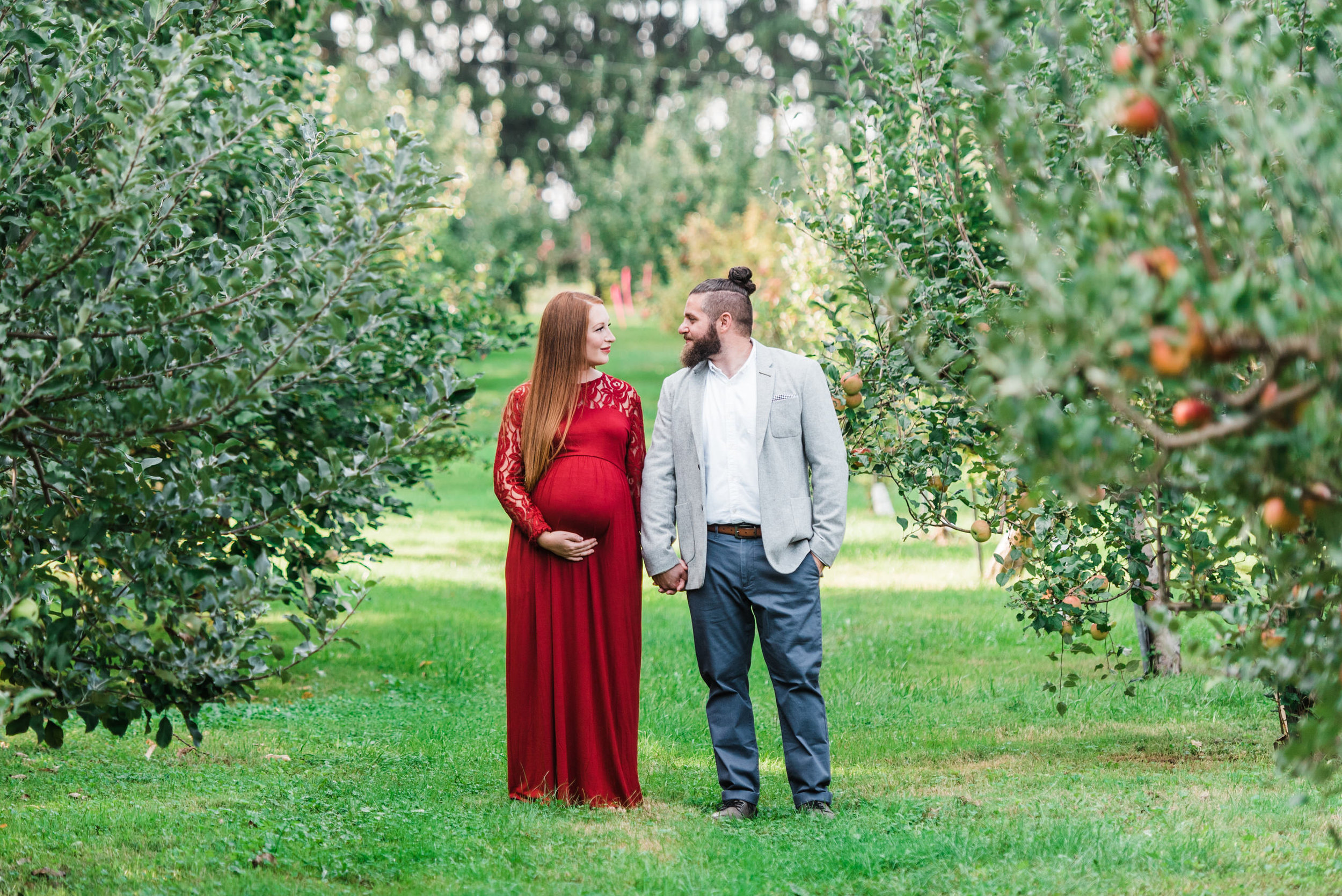 pittsburgh-maternity-photographers-winery-apple-orchard-session_34.jpg