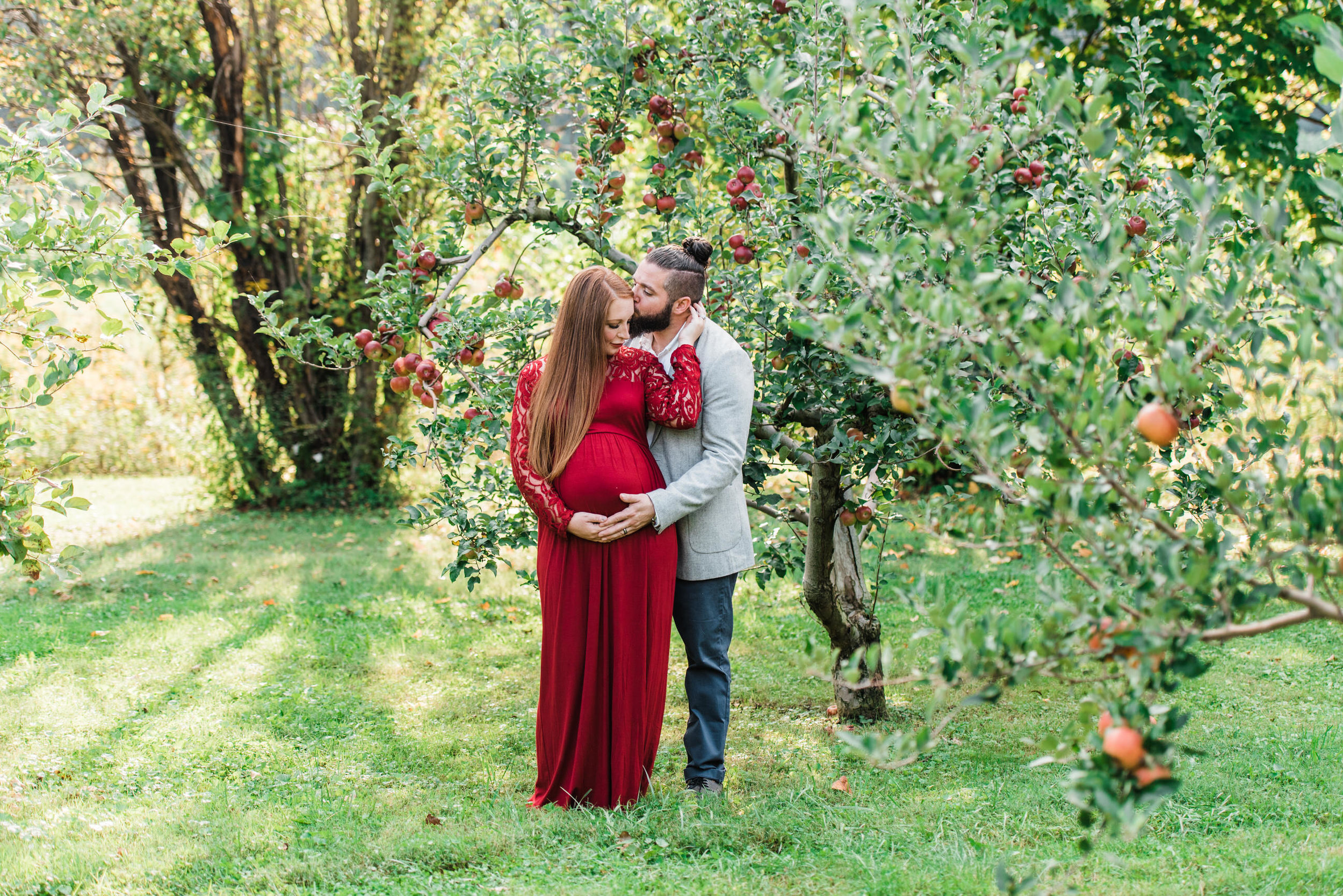 pittsburgh-maternity-photographers-winery-apple-orchard-session_31.jpg