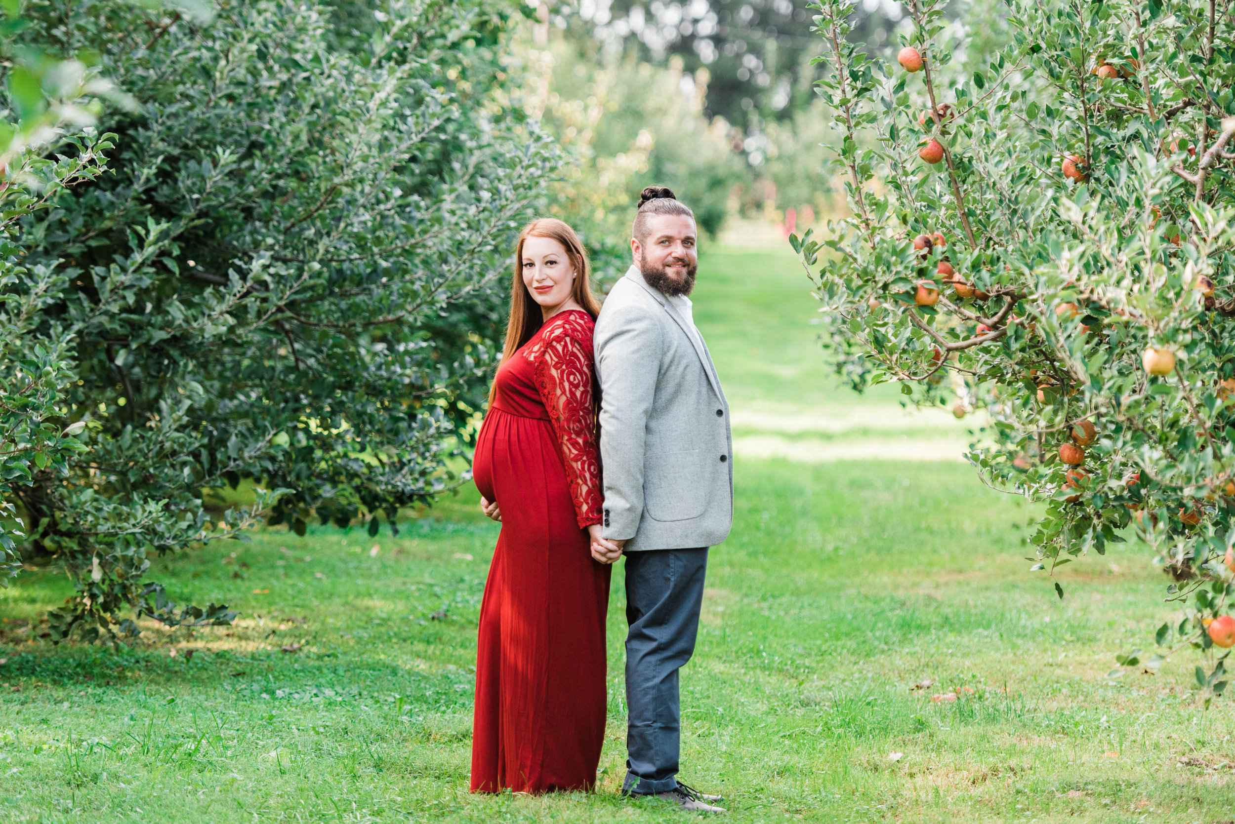 pittsburgh-maternity-photographers-winery-apple-orchard-session_28.jpg