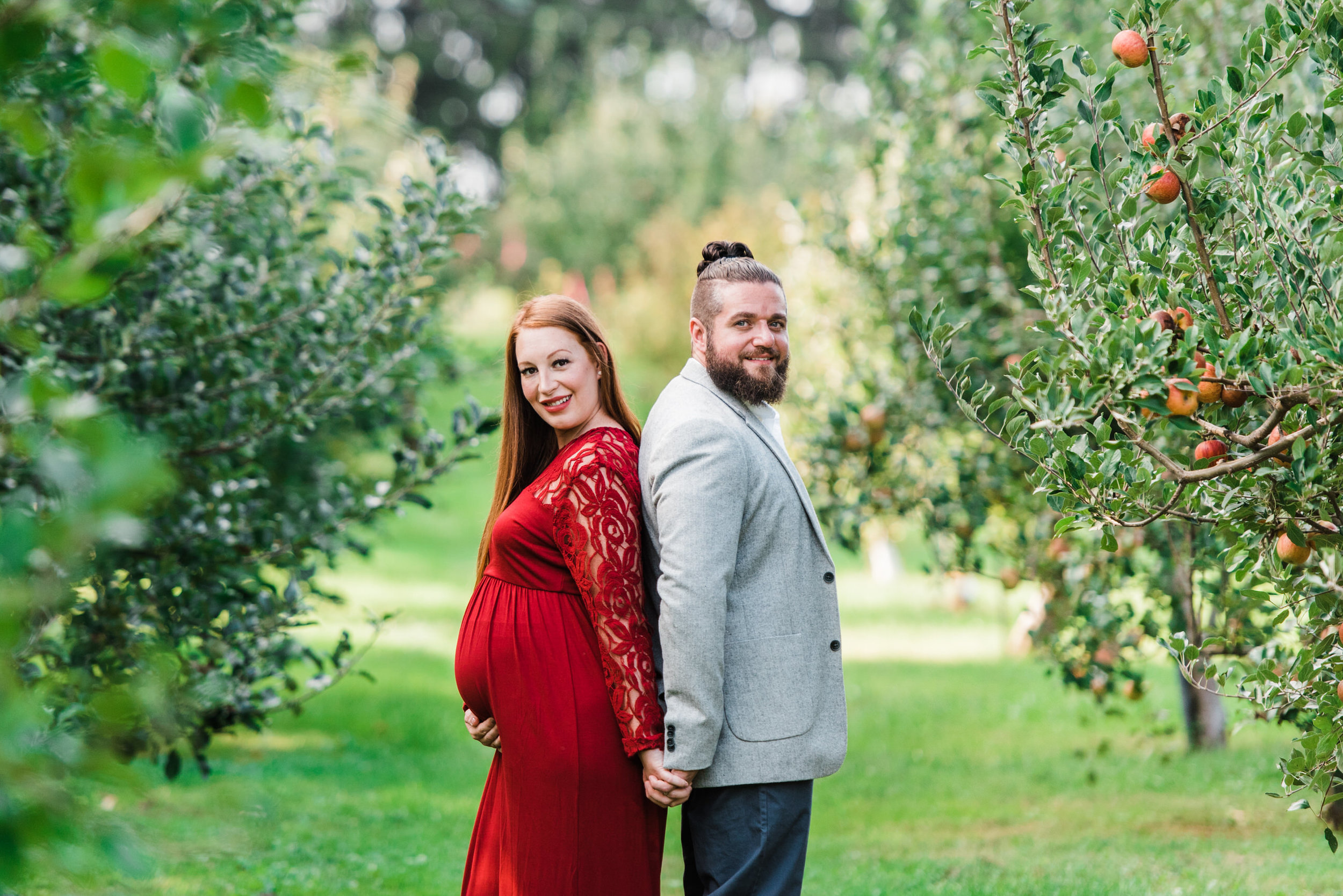 pittsburgh-maternity-photographers-winery-apple-orchard-session_27.jpg