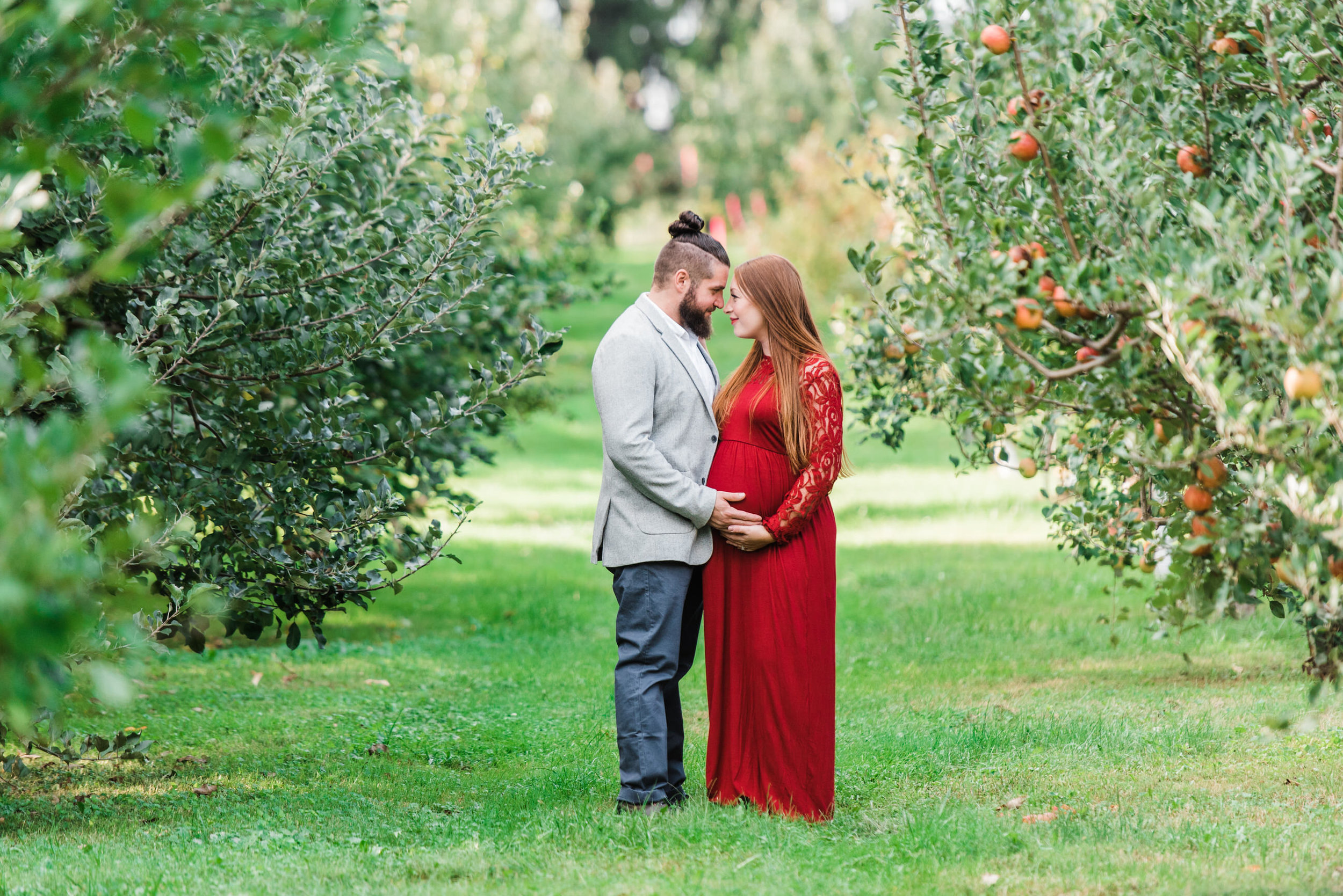 pittsburgh-maternity-photographers-winery-apple-orchard-session_23.jpg