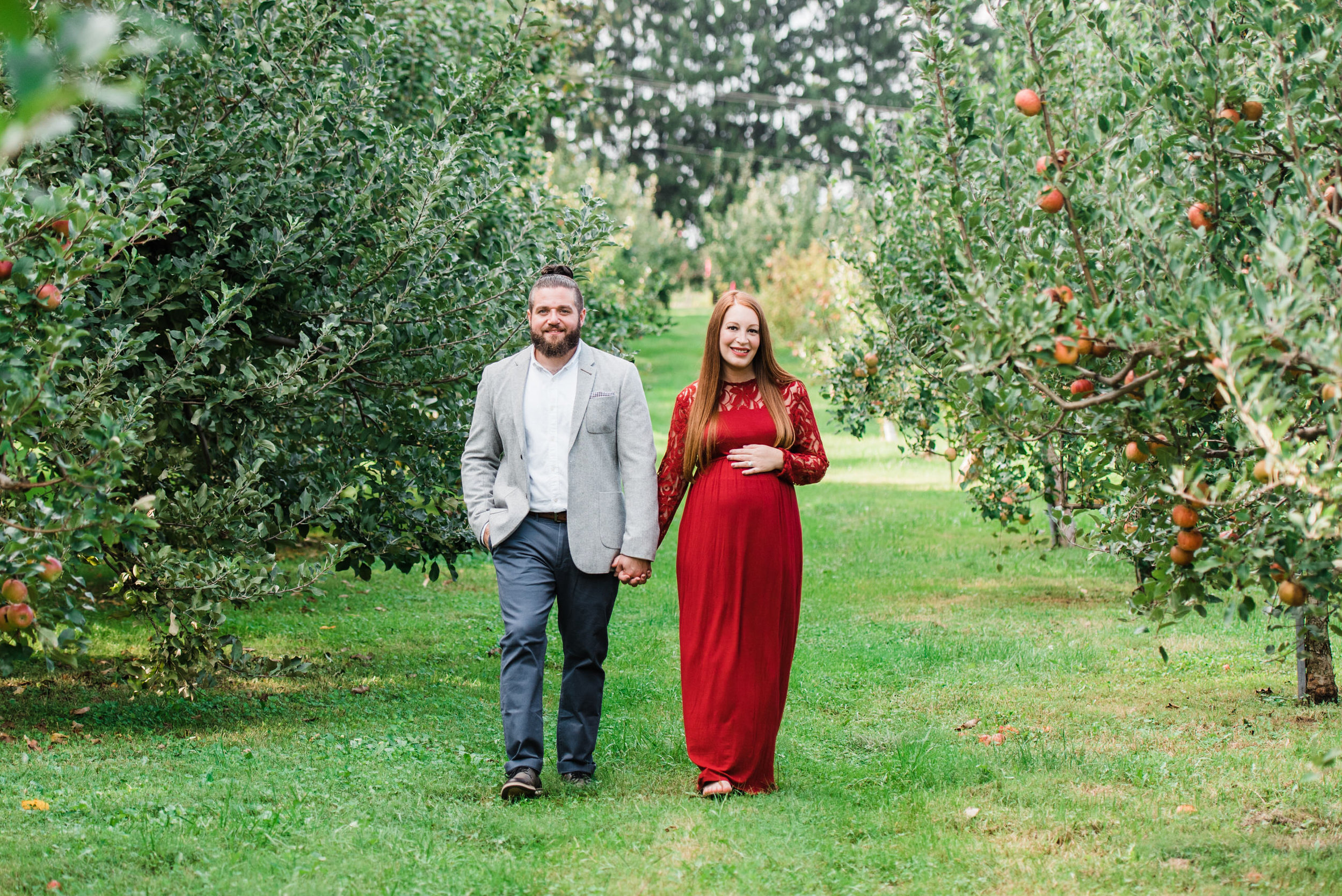 pittsburgh-maternity-photographers-winery-apple-orchard-session_21.jpg