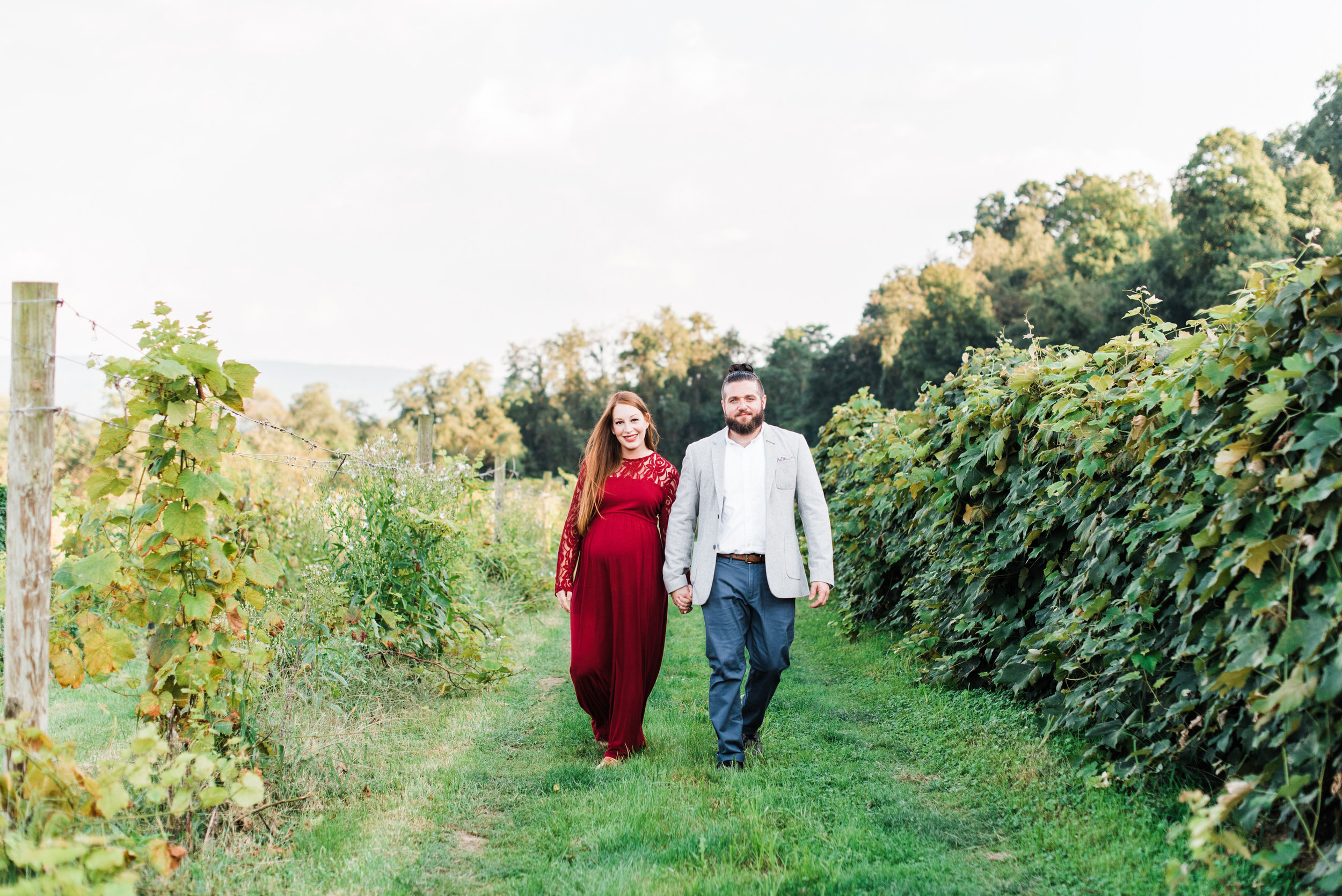 pittsburgh-maternity-photographers-winery-apple-orchard-session_20.jpg