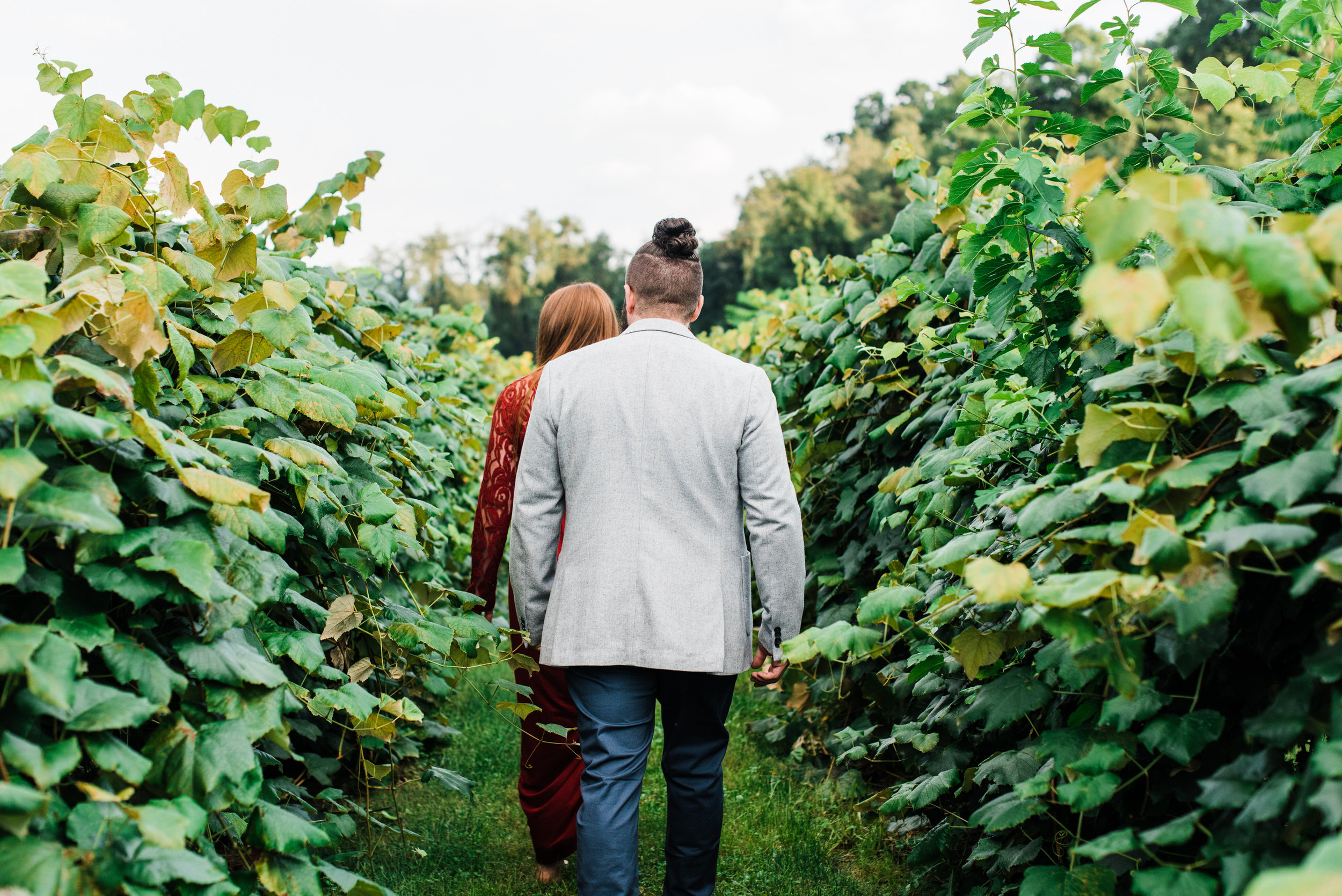 pittsburgh-maternity-photographers-winery-apple-orchard-session_15.jpg