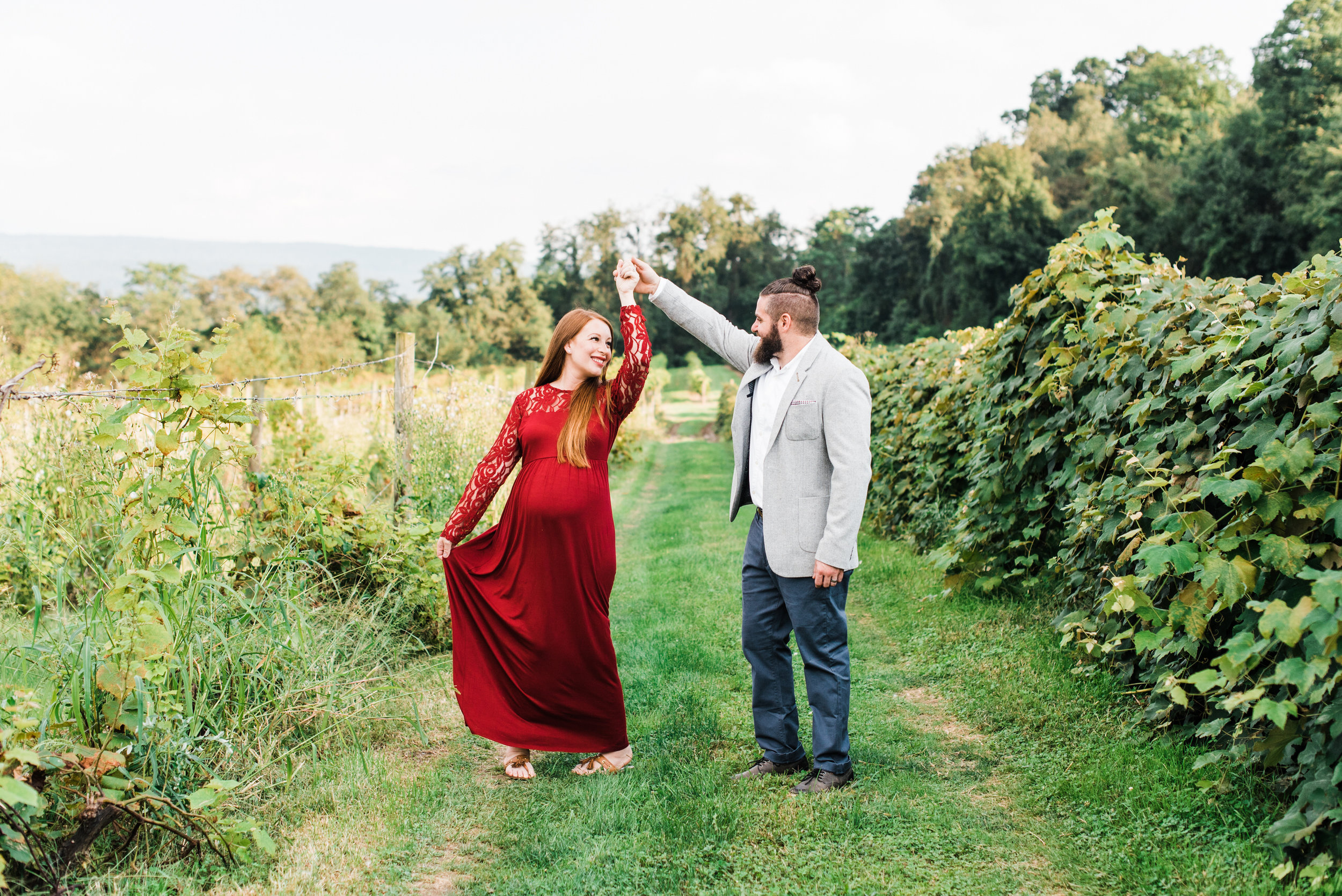 pittsburgh-maternity-photographers-winery-apple-orchard-session_14.jpg