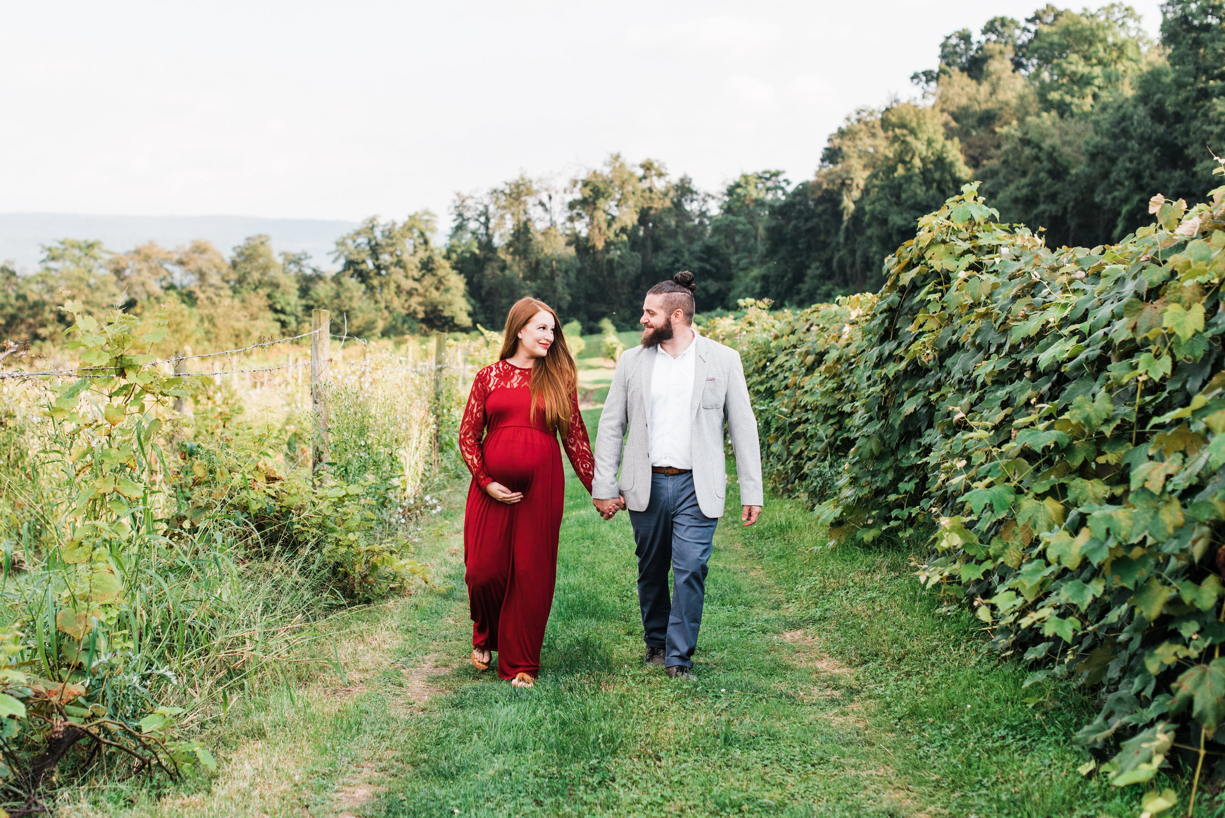 pittsburgh-maternity-photographers-winery-apple-orchard-session_13.jpg