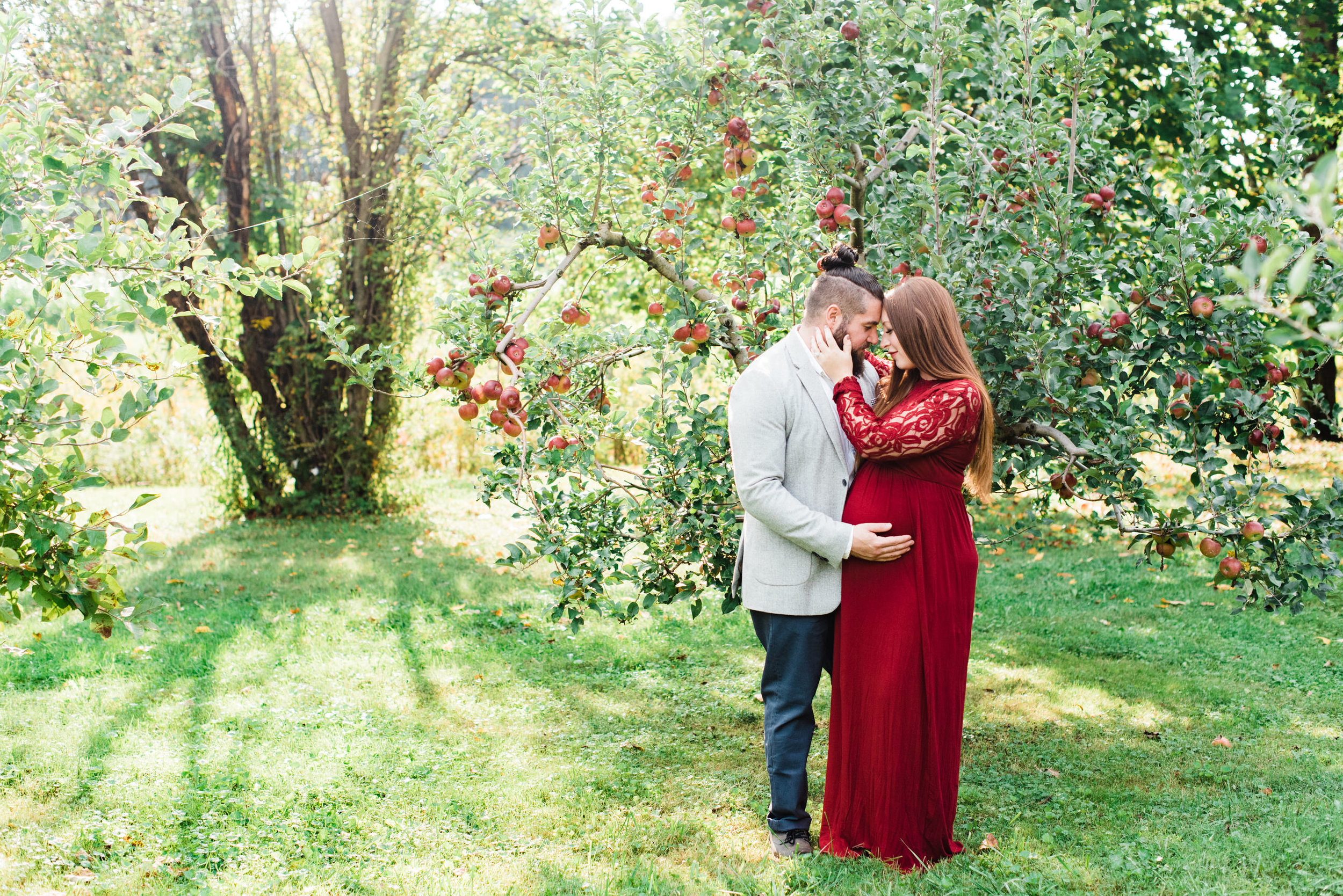 pittsburgh-maternity-photographers-winery-apple-orchard-session_3.jpg