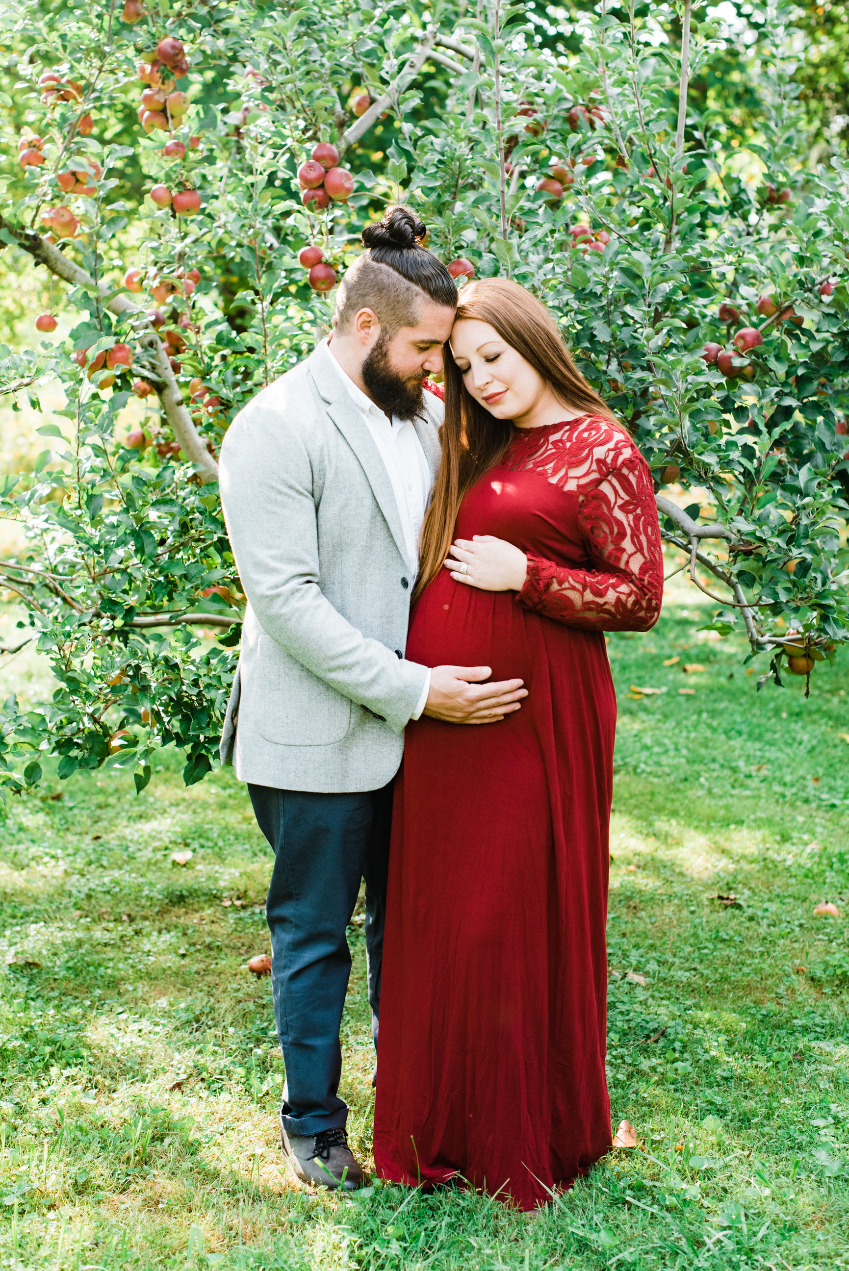 pittsburgh-maternity-photographers-winery-apple-orchard-session_1.jpg