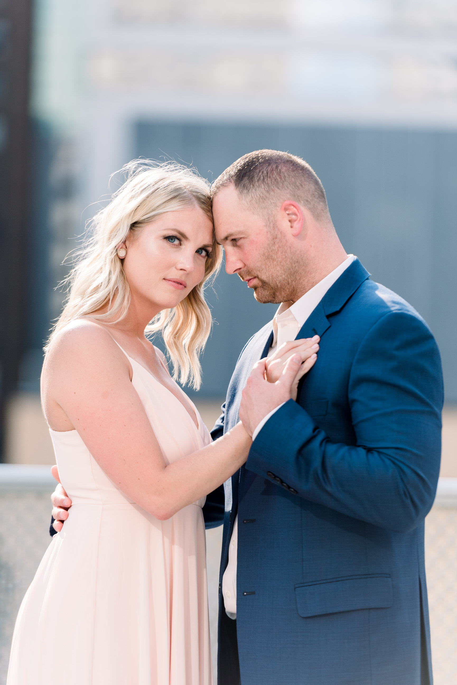 downtown-pittsburgh-rooftop-engagement-session-ashley-reed-photography0.jpg