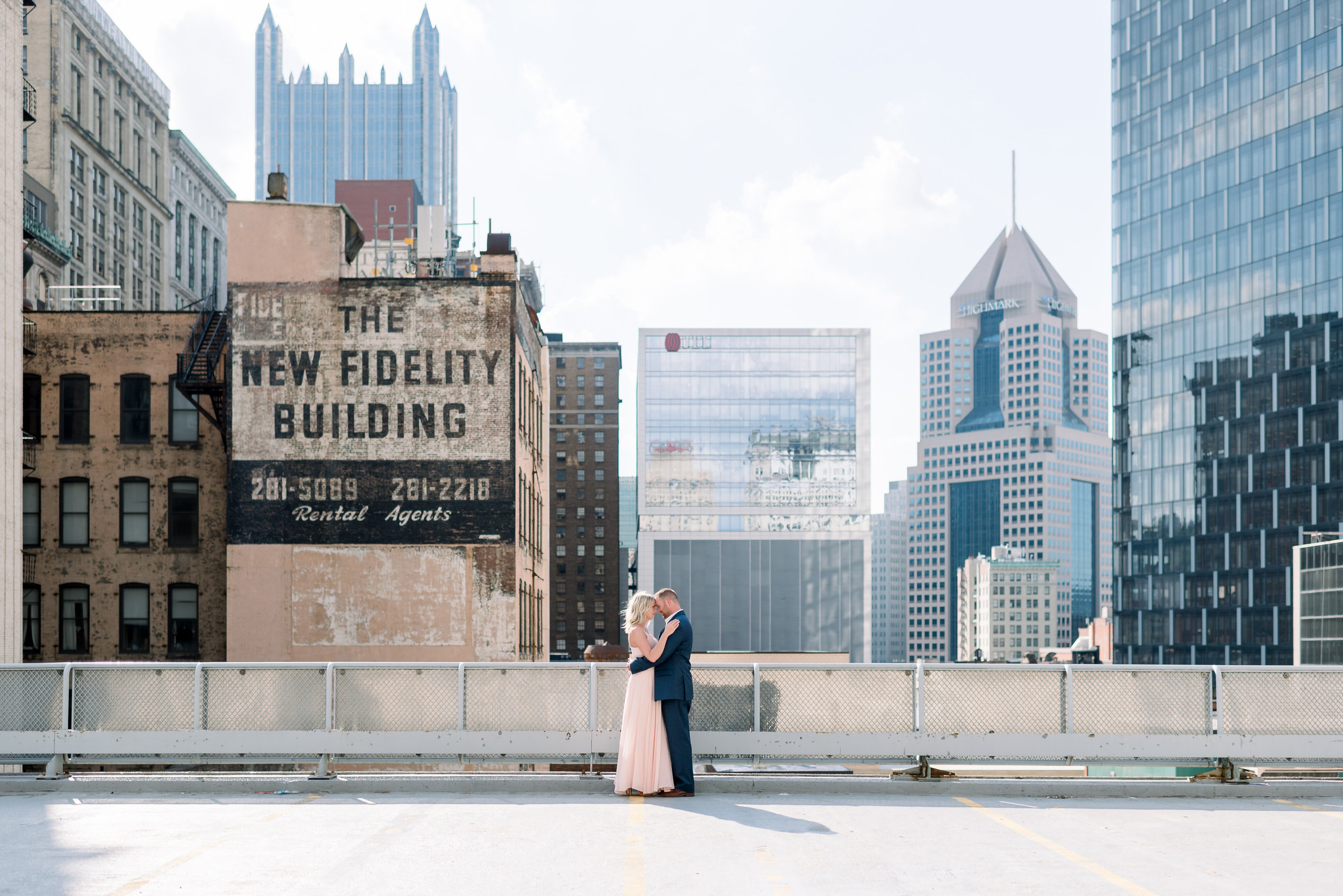 downtown-pittsburgh-rooftop-engagement-session-ashley-reed-photography1.jpg