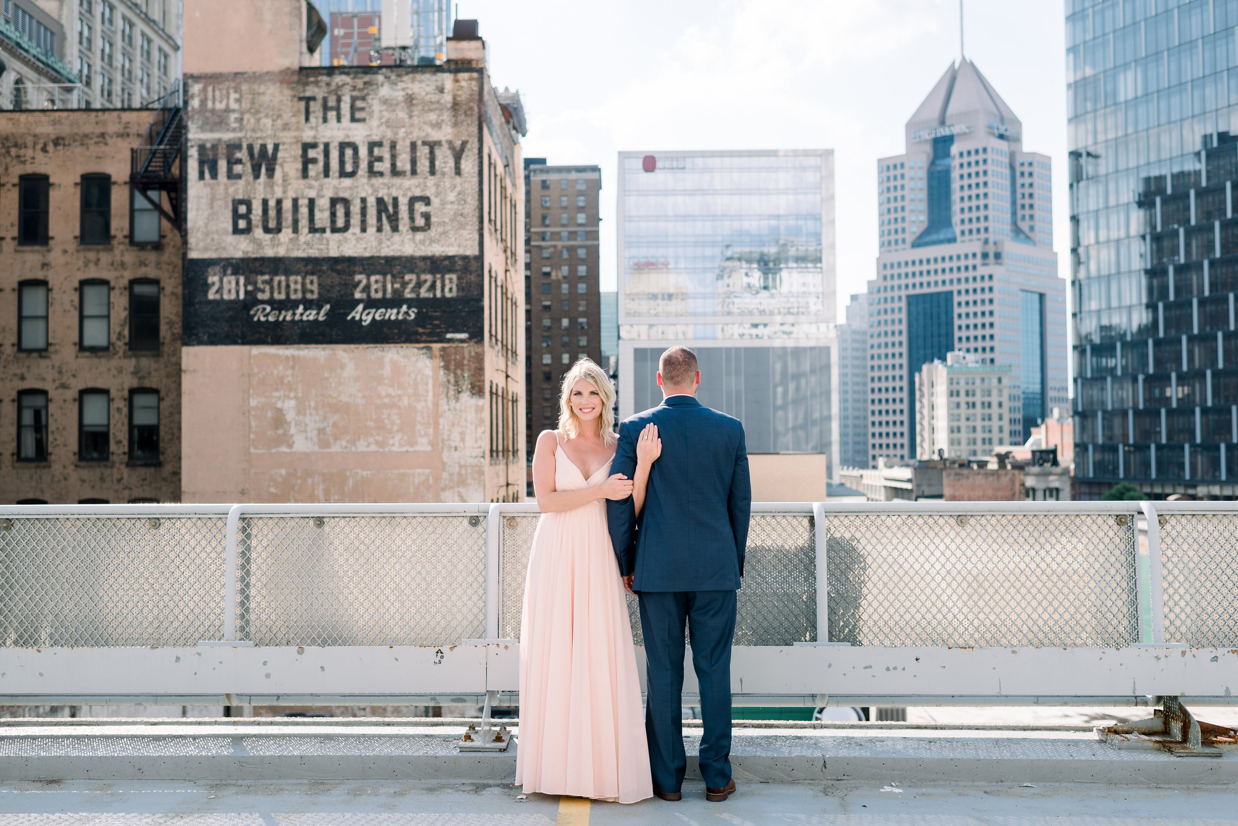 downtown-pittsburgh-rooftop-engagement-session-ashley-reed-photography3.jpg