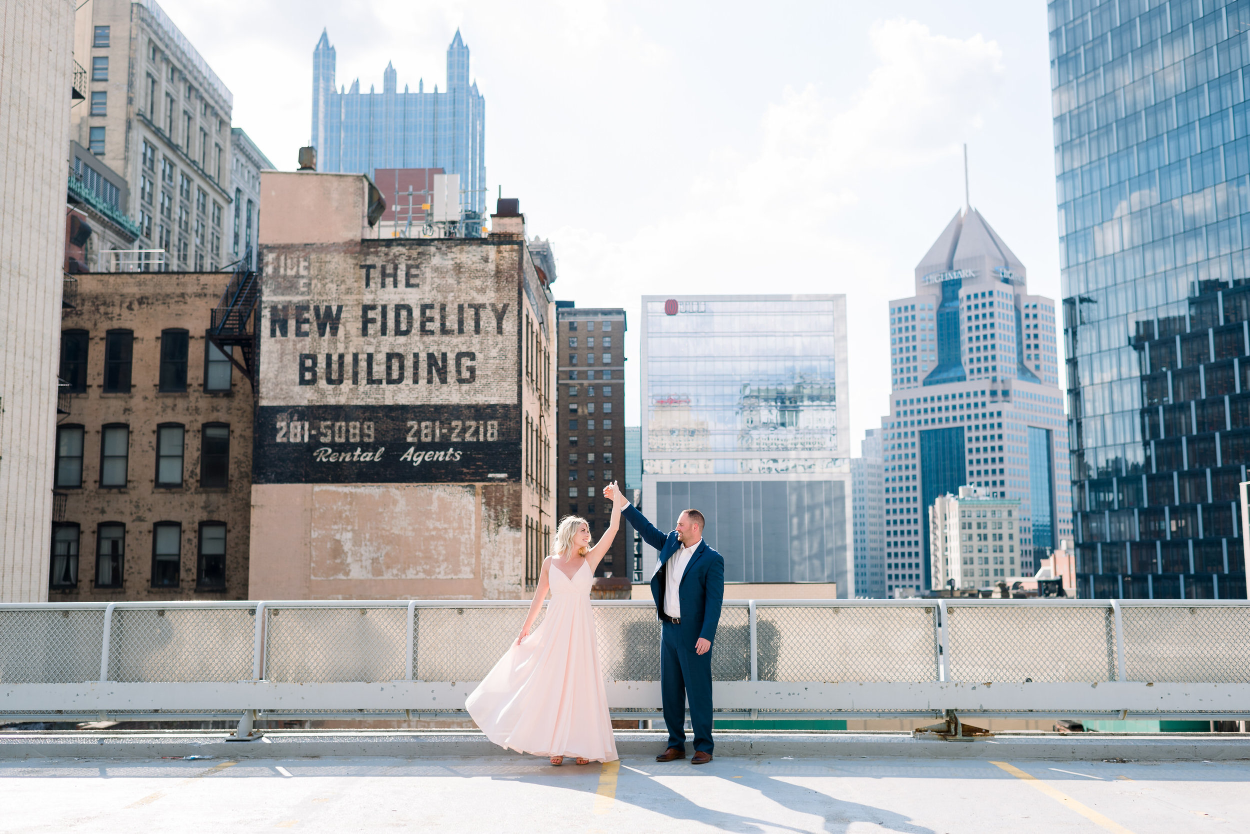 downtown-pittsburgh-rooftop-engagement-session-ashley-reed-photography6.jpg