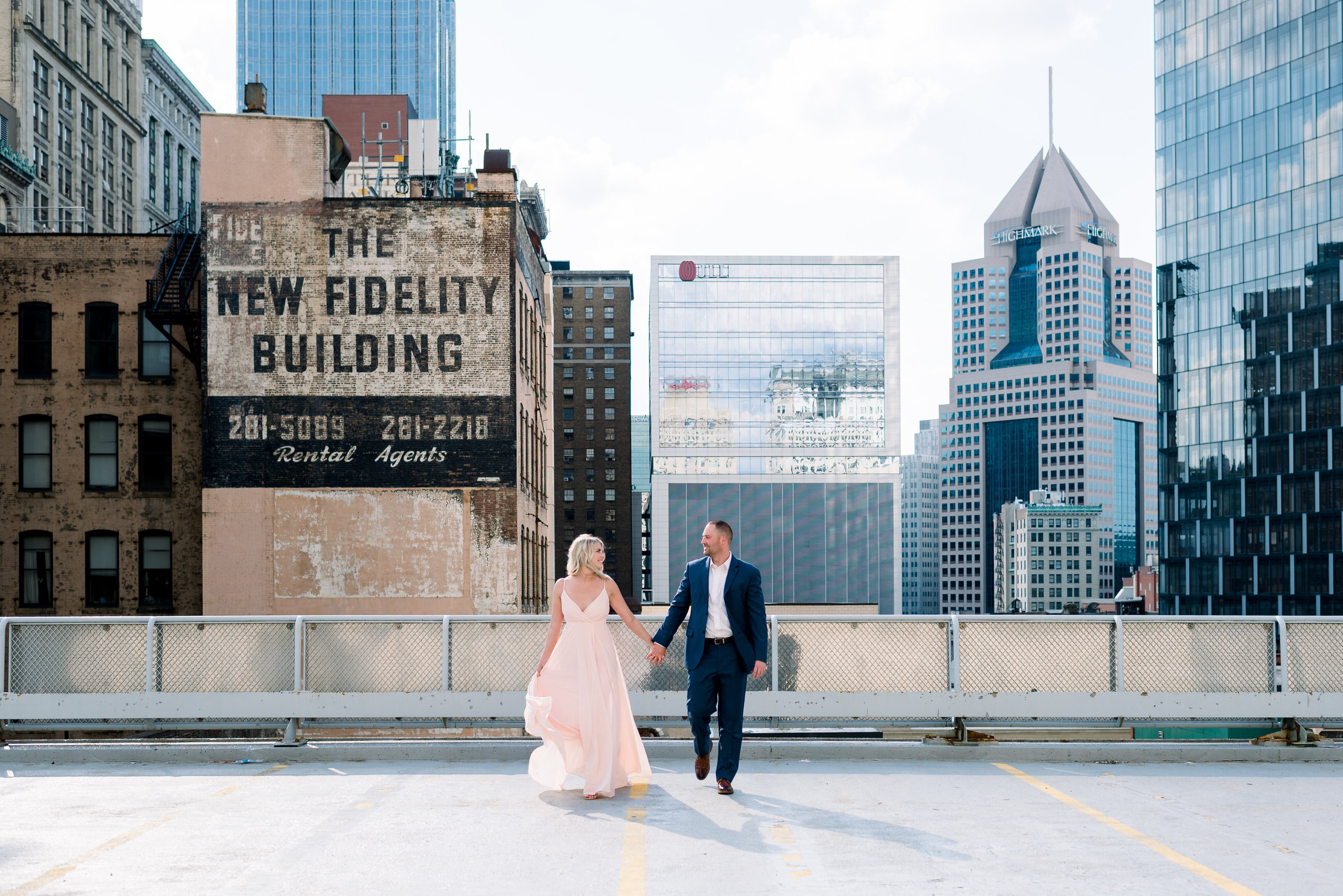 downtown-pittsburgh-rooftop-engagement-session-ashley-reed-photography7.jpg