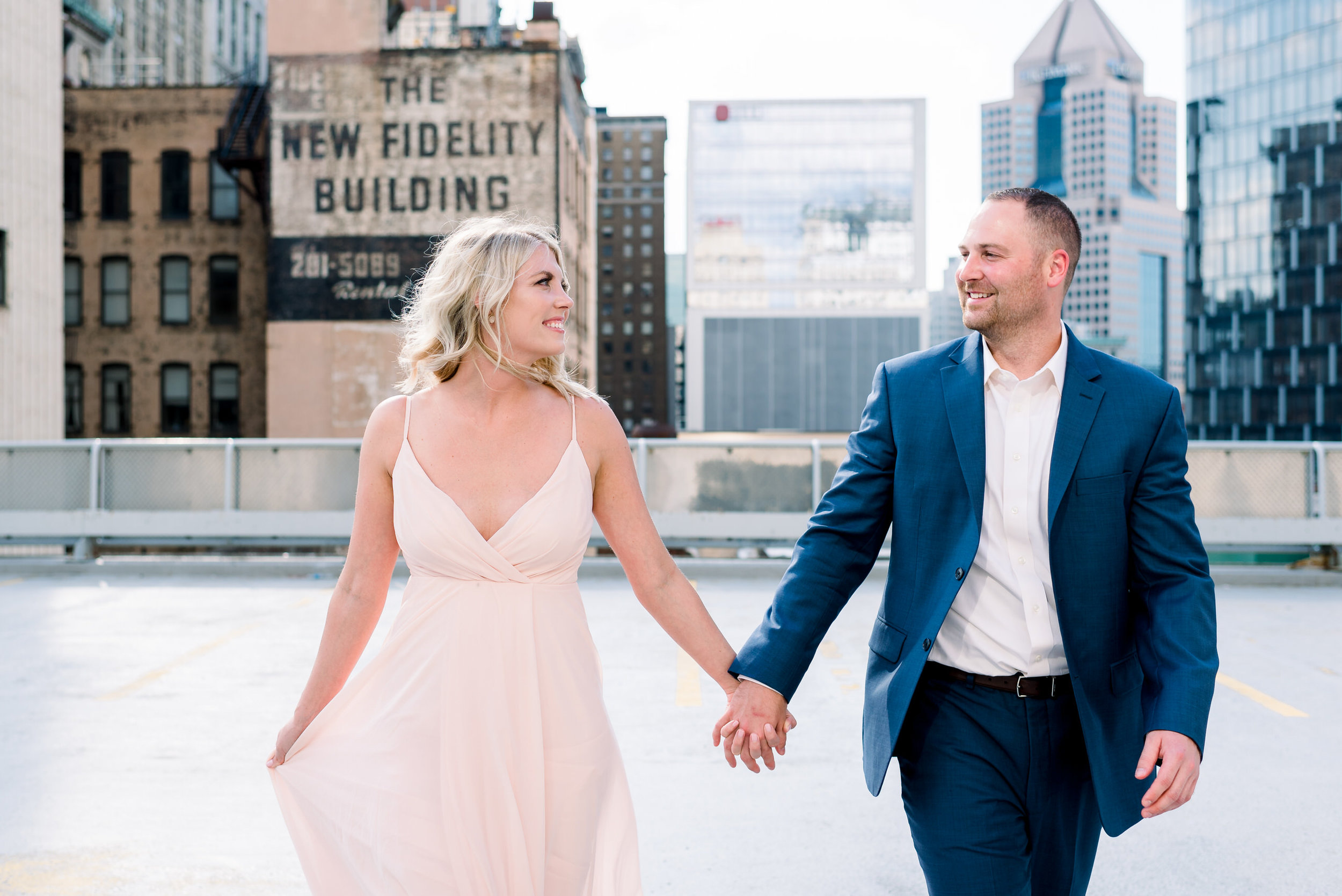 downtown-pittsburgh-rooftop-engagement-session-ashley-reed-photography9.jpg