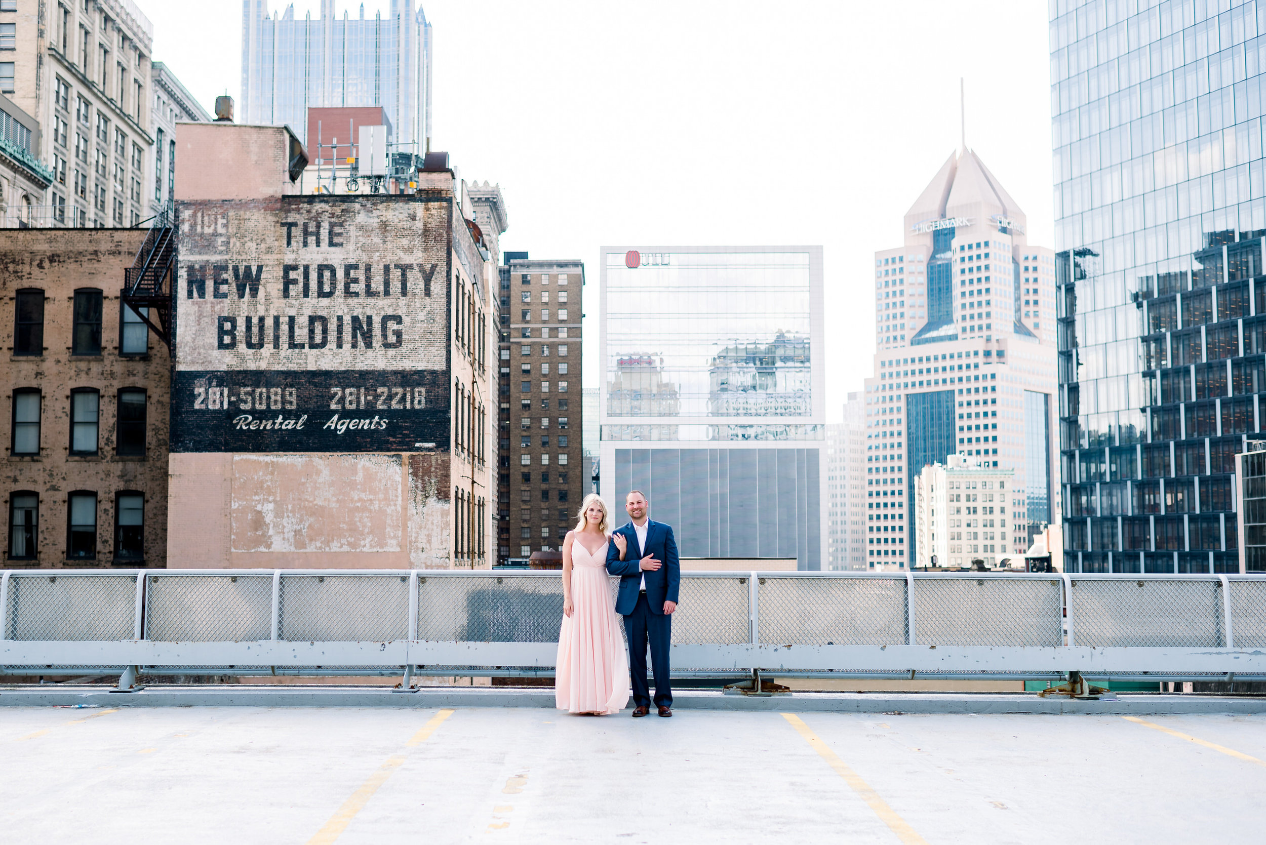 downtown-pittsburgh-rooftop-engagement-session-ashley-reed-photography14.jpg