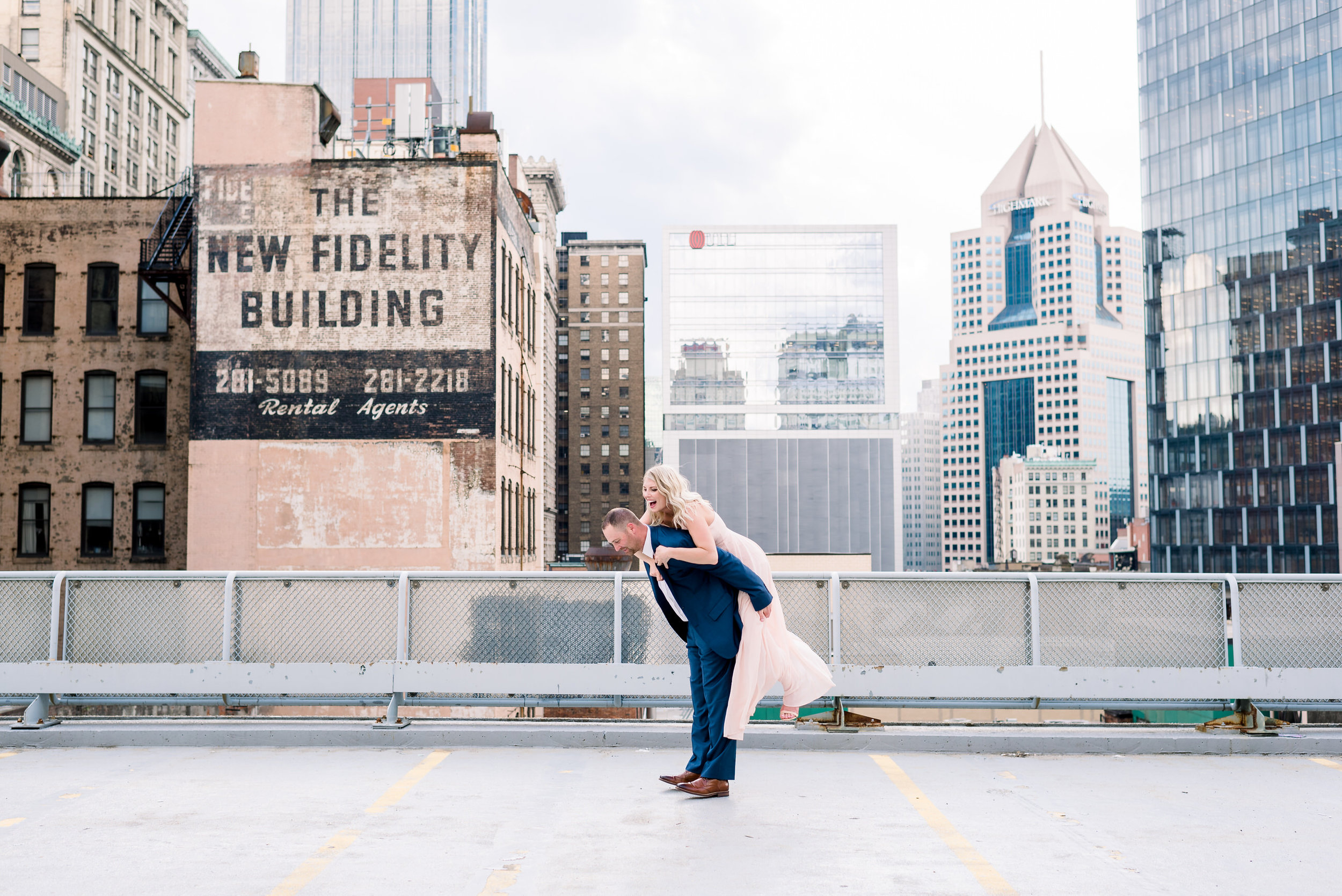 downtown-pittsburgh-rooftop-engagement-session-ashley-reed-photography20.jpg