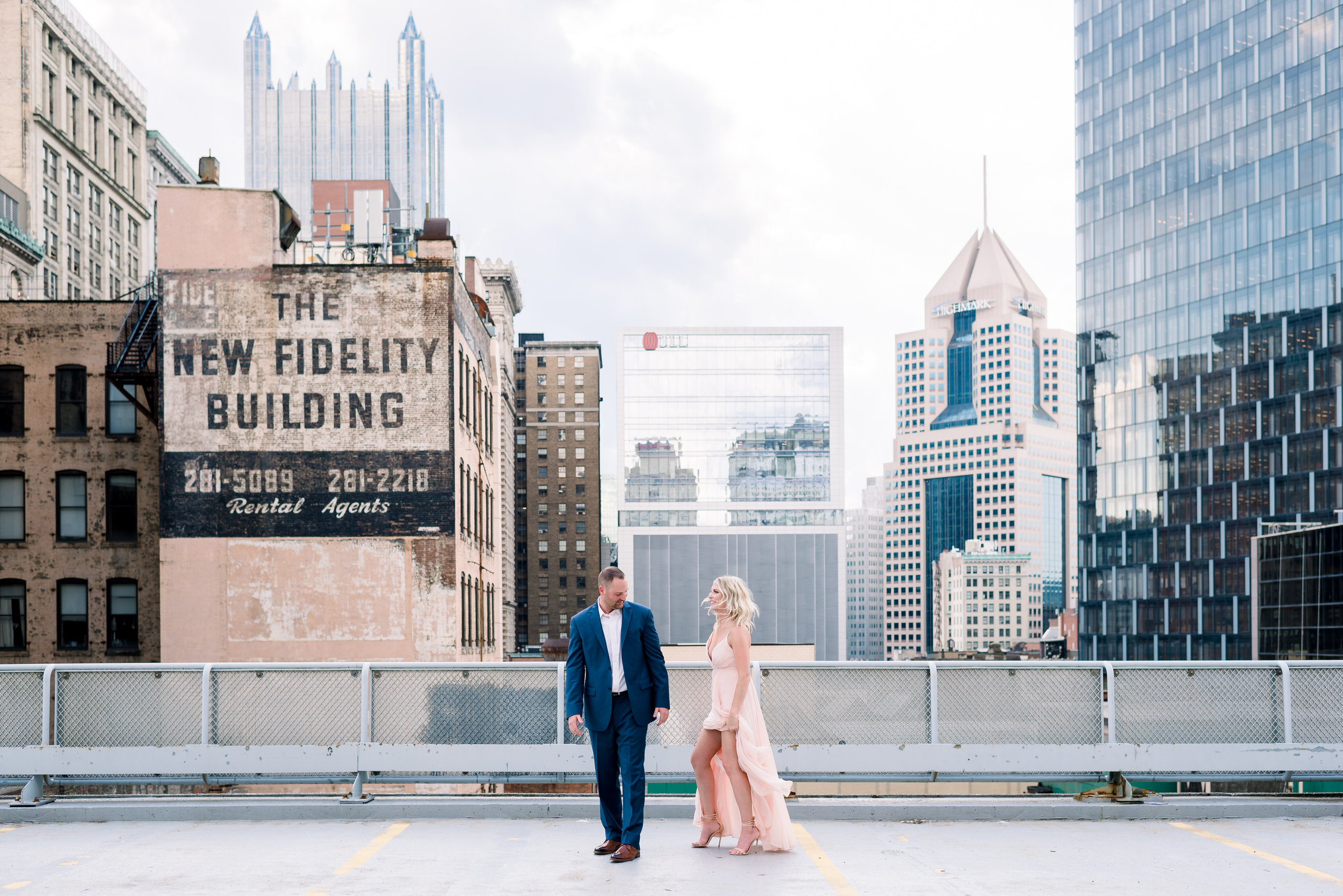 downtown-pittsburgh-rooftop-engagement-session-ashley-reed-photography21.jpg