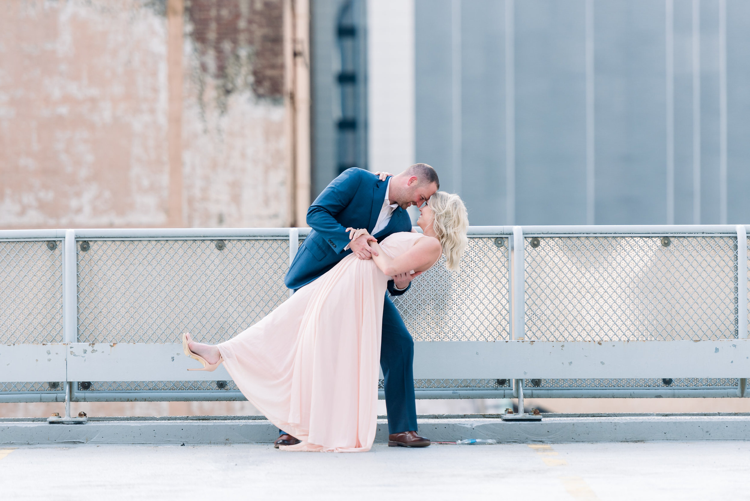 downtown-pittsburgh-rooftop-engagement-session-ashley-reed-photography23.jpg