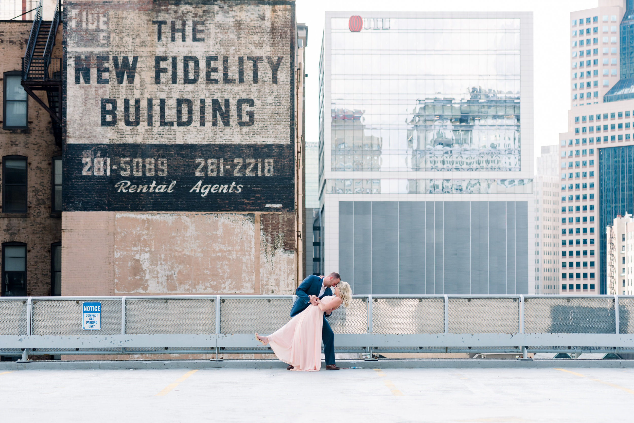 downtown-pittsburgh-rooftop-engagement-session-ashley-reed-photography24.jpg