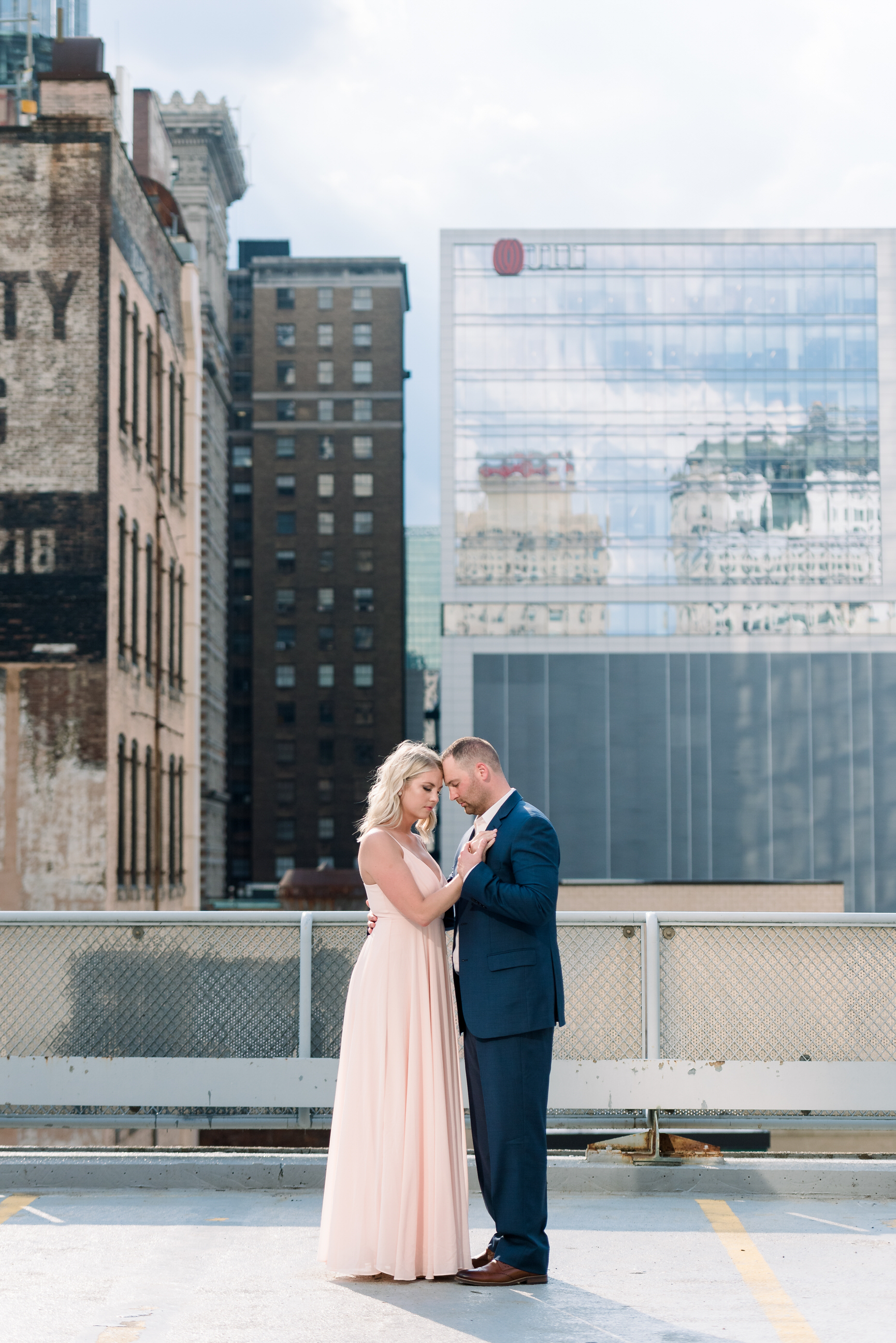 downtown-pittsburgh-rooftop-engagement-session-ashley-reed-photography27.jpg