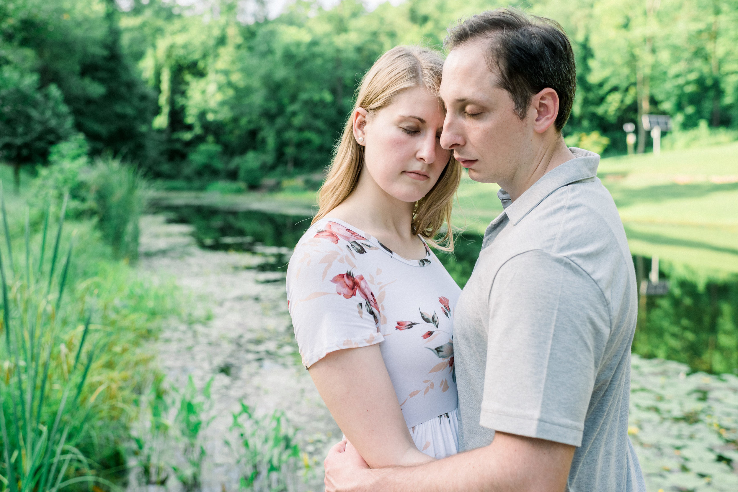 Pittsburgh-botanic-garden-engagement-session-ashley-reed-photography13.jpg