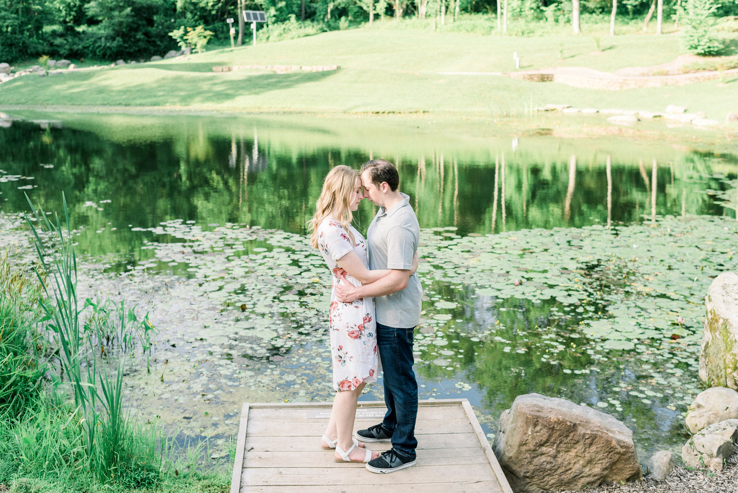 Pittsburgh-botanic-garden-engagement-session-ashley-reed-photography12.jpg