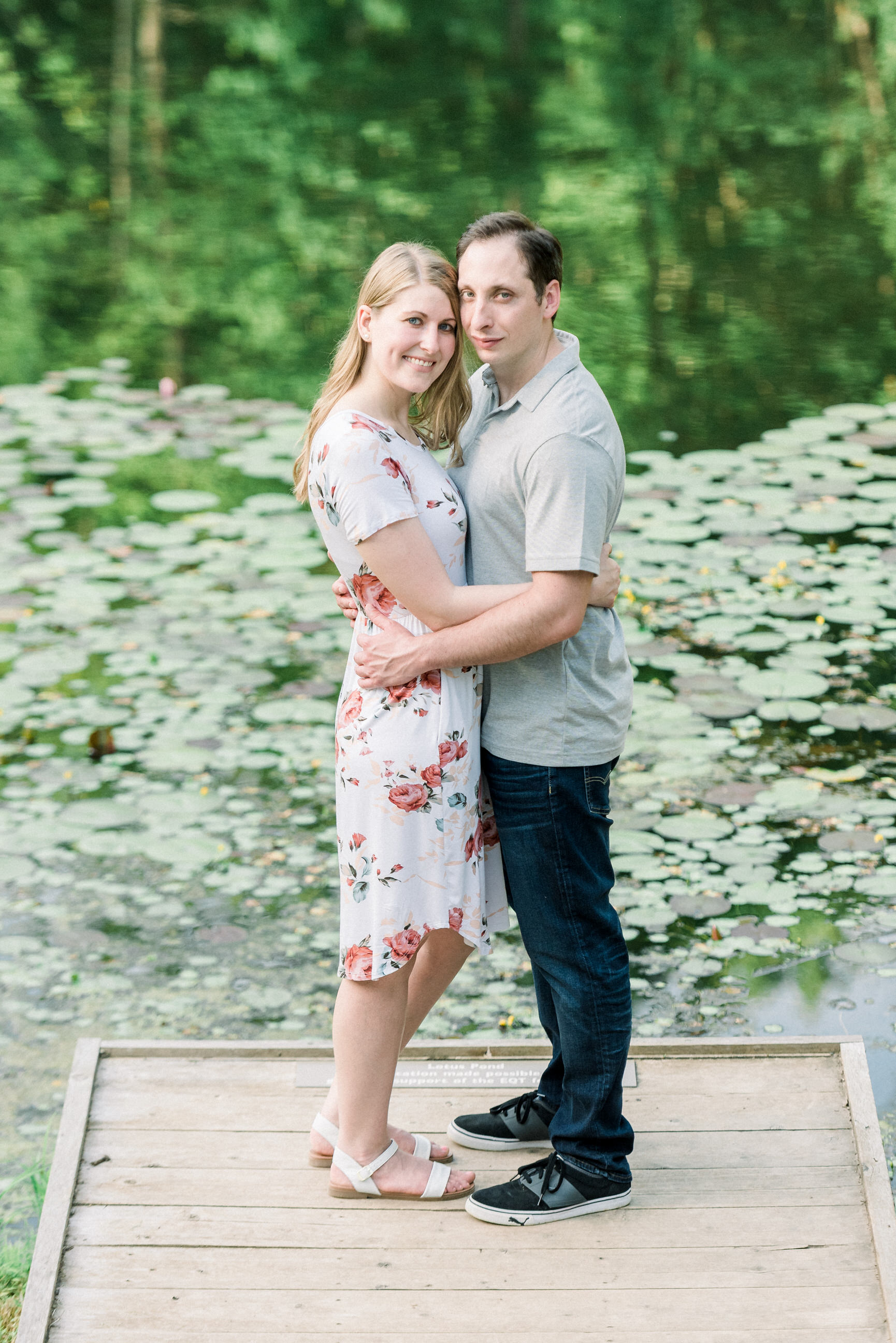 Pittsburgh-botanic-garden-engagement-session-ashley-reed-photography23.jpg