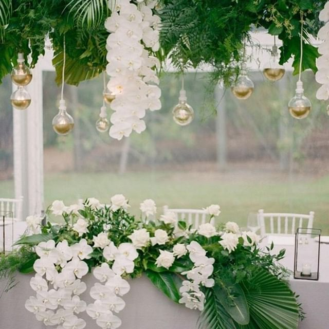 LAMYRTLE STYLE HOUSE  Gemma designs and creates with a clear sense of texture, balance and purpose. Fall in love.  @lamyrtle_style_house @katiegrantphoto 📷 @marrydownsouth @margaretriverssecretgarden @southernlightevents @pallascouture @empireeventsau @junipereventswa @supper_road_weddings @australiassw @margaretriver  #destinationwedding #margaretriver #southwest #westernaustralia #australiassouthwest #weddingflowers #floraldesign