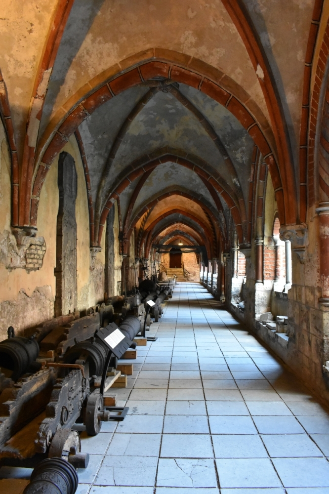 Cannons inside the cloister