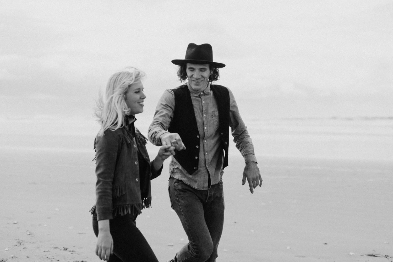 vintage-western-oregon-couple-photography-2018-04-25_0051.jpg