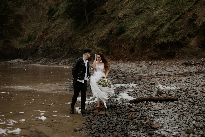 intimate-oregon-coast-elopement-2018-04-26_0004.jpg