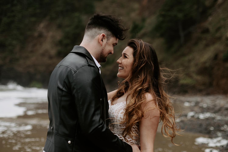 intimate-oregon-coast-elopement-2018-04-26_0006.jpg