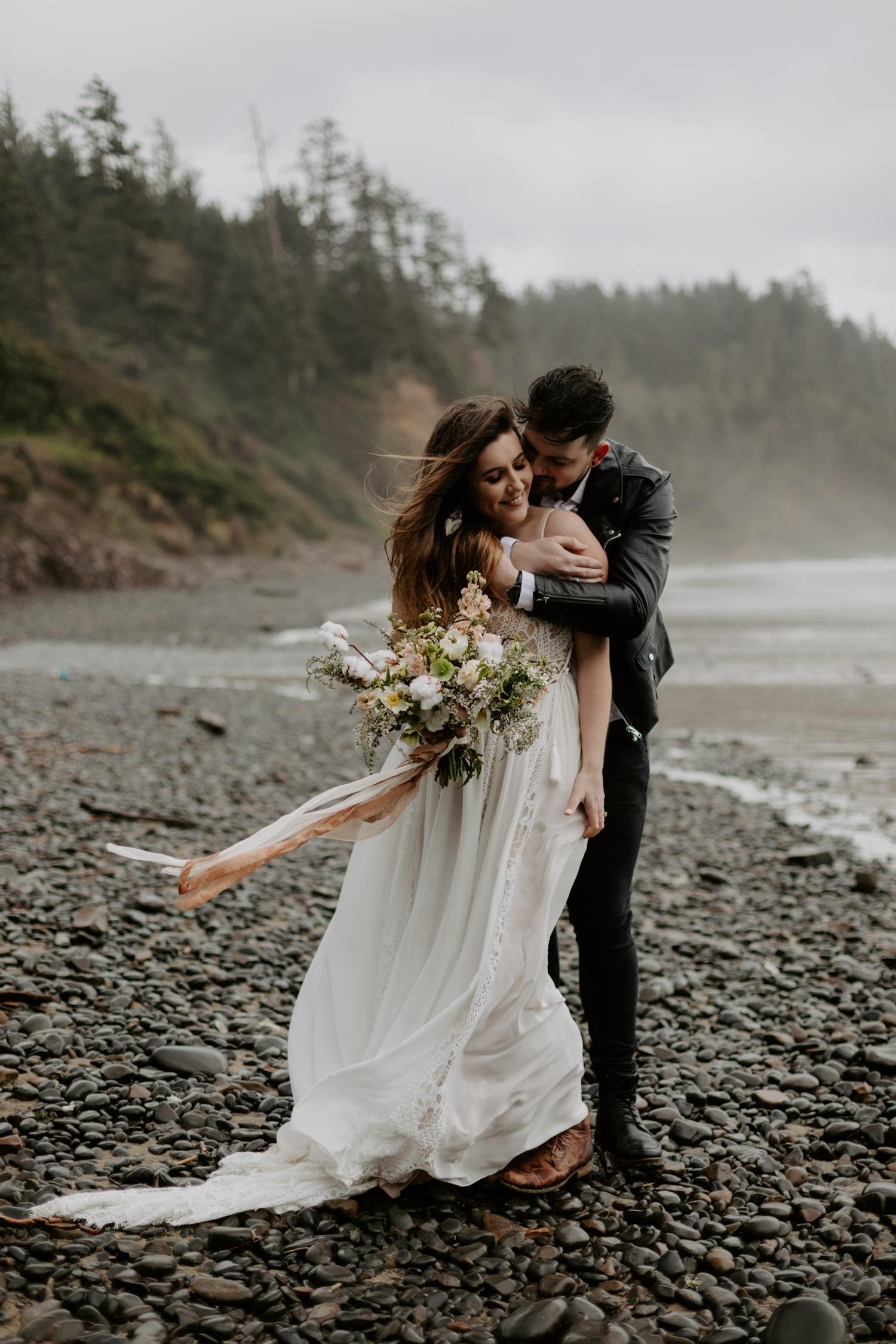intimate-oregon-coast-elopement-2018-04-26_0010.jpg