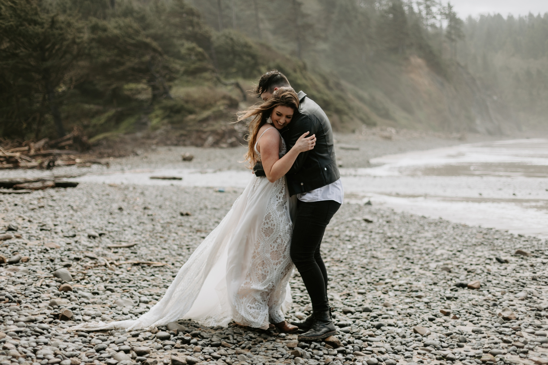 adventurous-cannon-beach-elopement-2018-04-26_0023.jpg