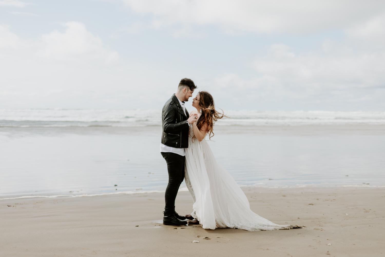 adventurous-cannon-beach-elopement-2018-04-26_0032.jpg