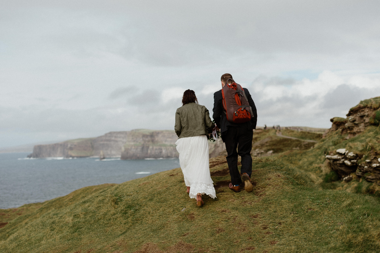 cliffs-of-moher-ireland-adventurous-elopement-37.jpg