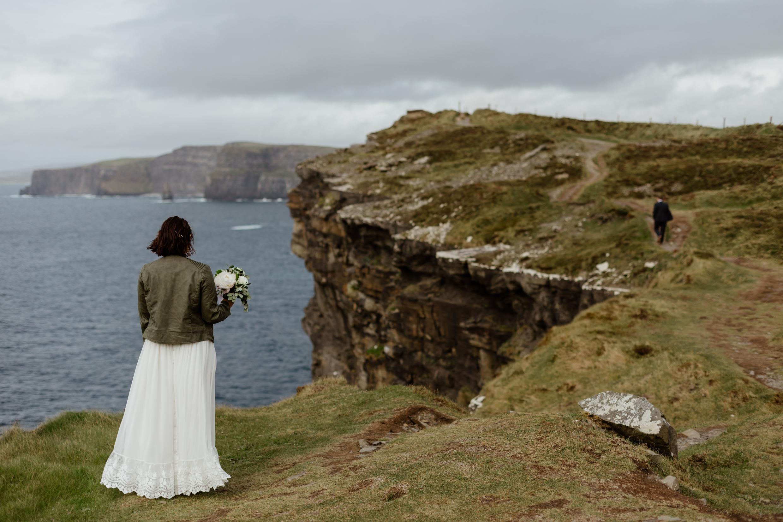 cliffs-of-moher-ireland-adventurous-elopement-40.jpg