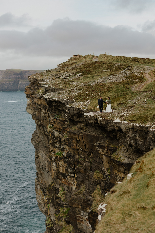 cliffs-of-moher-ireland-adventurous-elopement-42.jpg