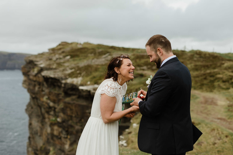 cliffs-of-moher-ireland-adventurous-elopement-61.jpg