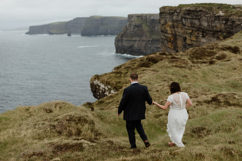 cliffs-of-moher-ireland-adventurous-elopement-85.jpg